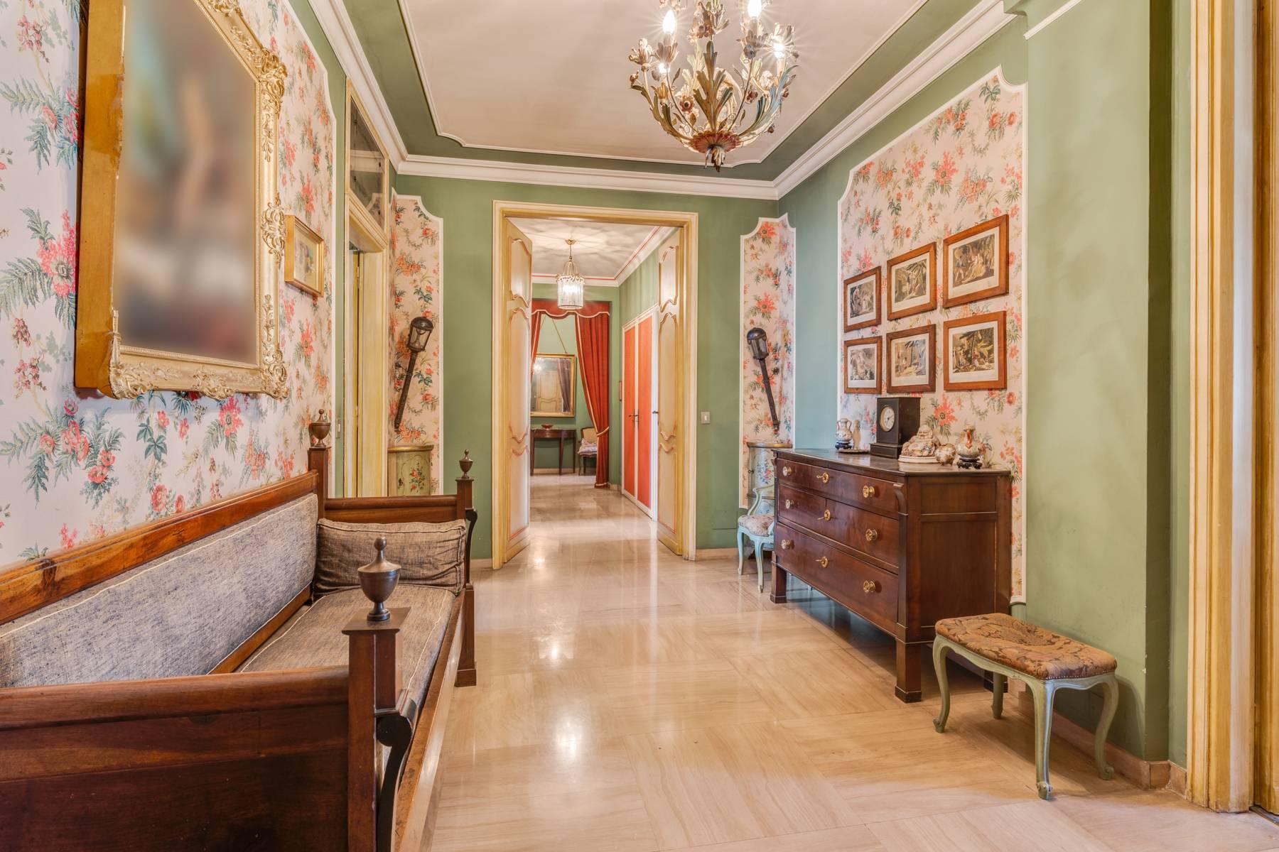 Appartamento in Vendita a Torino: 5 locali, 290 mq - Foto 3