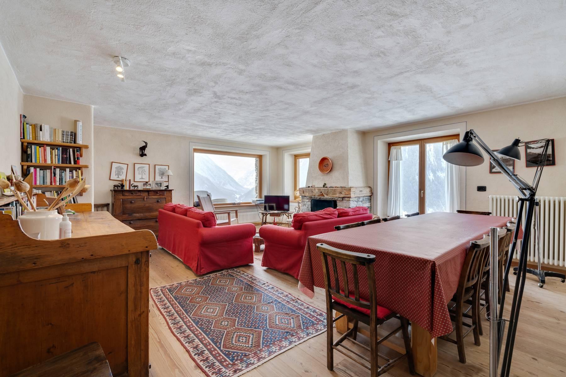 Villa in Vendita a Cogne: 5 locali, 384 mq - Foto 2