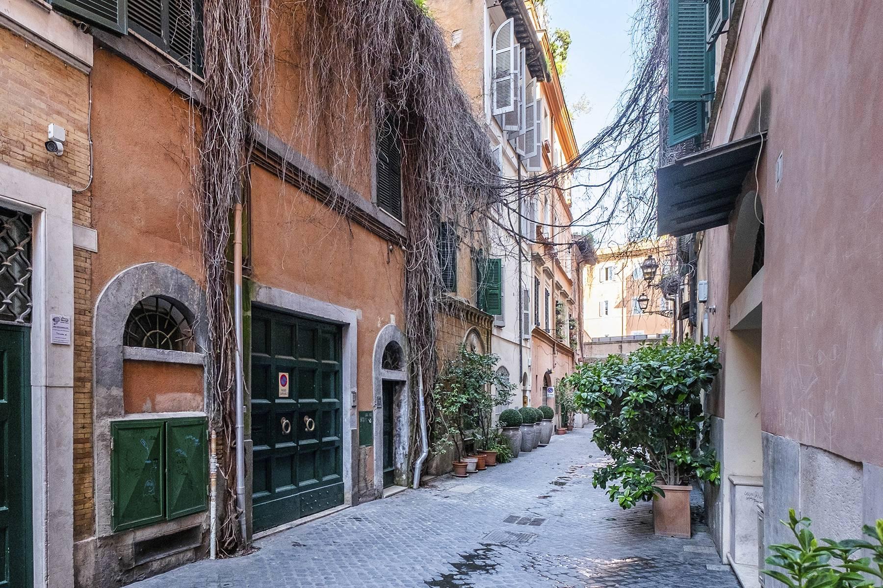 Palazzo in Vendita a Roma via del babuino