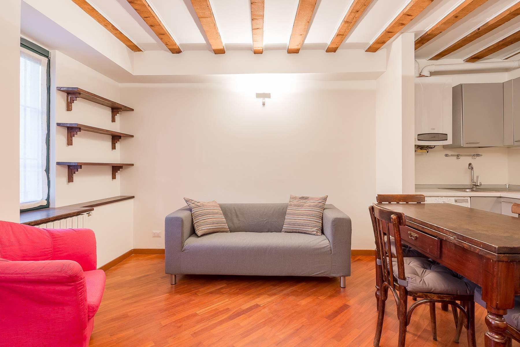 Appartamento in Affitto a Milano via vigevano