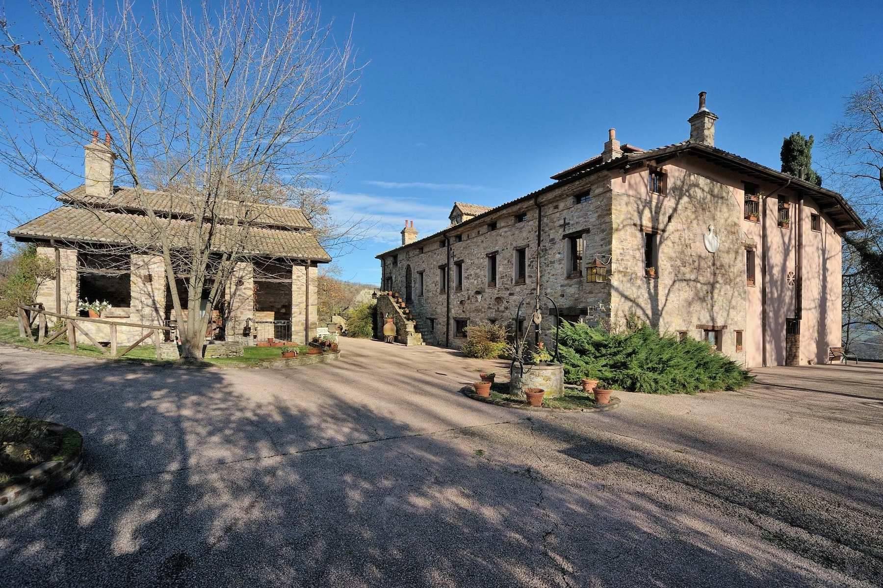 Villa in Vendita a Viano: 5 locali, 374 mq - Foto 2
