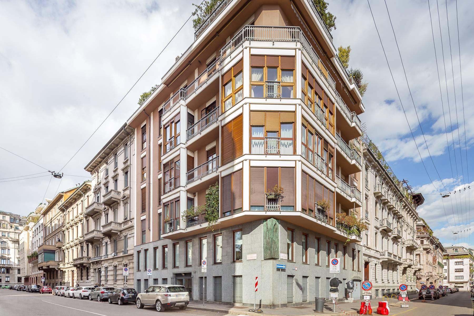 Appartamento in Vendita a Milano via gabrio serbelloni