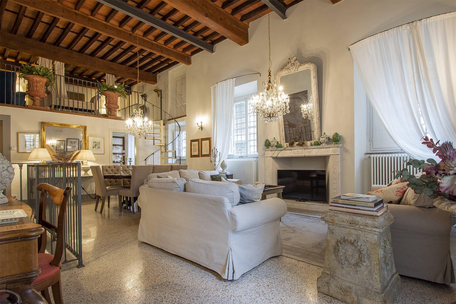 Appartamento in Vendita a Lucca: 5 locali, 167 mq - Foto 2