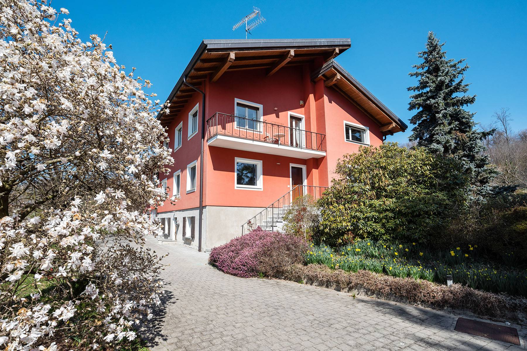 Villa in Vendita a Bolzano Novarese via bercolo