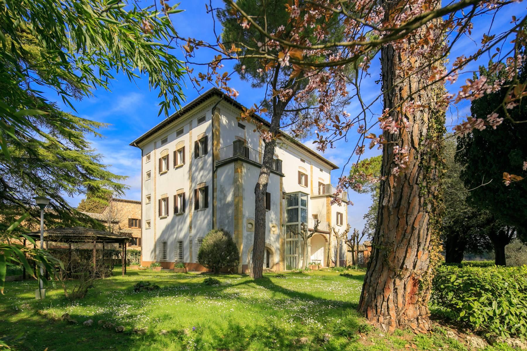 Villa in Vendita a Montepulciano via del tiglio