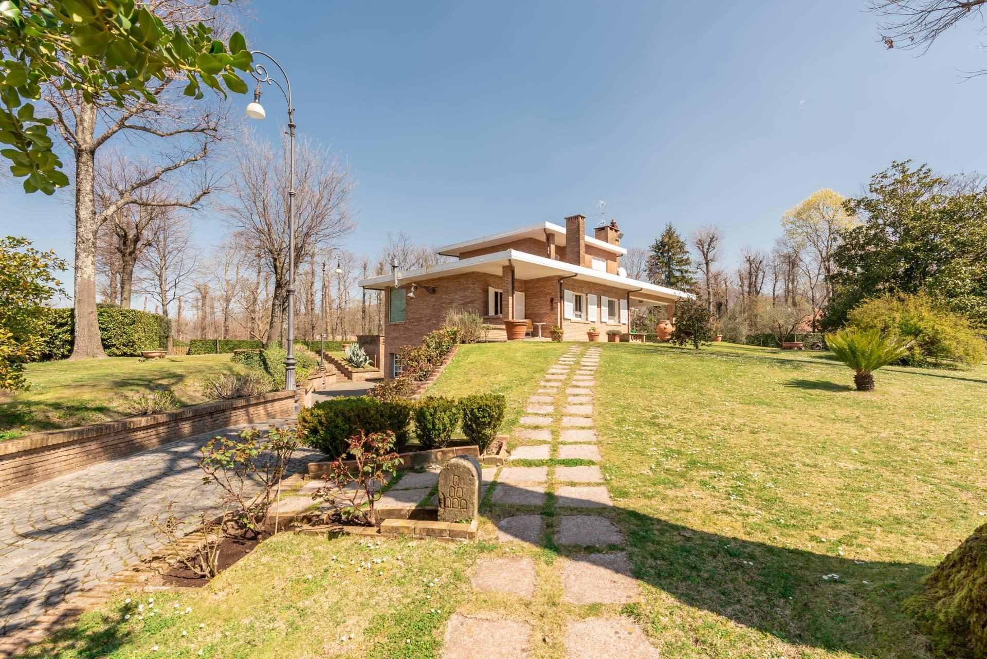 Villa in Vendita a Ariccia via monte gentile