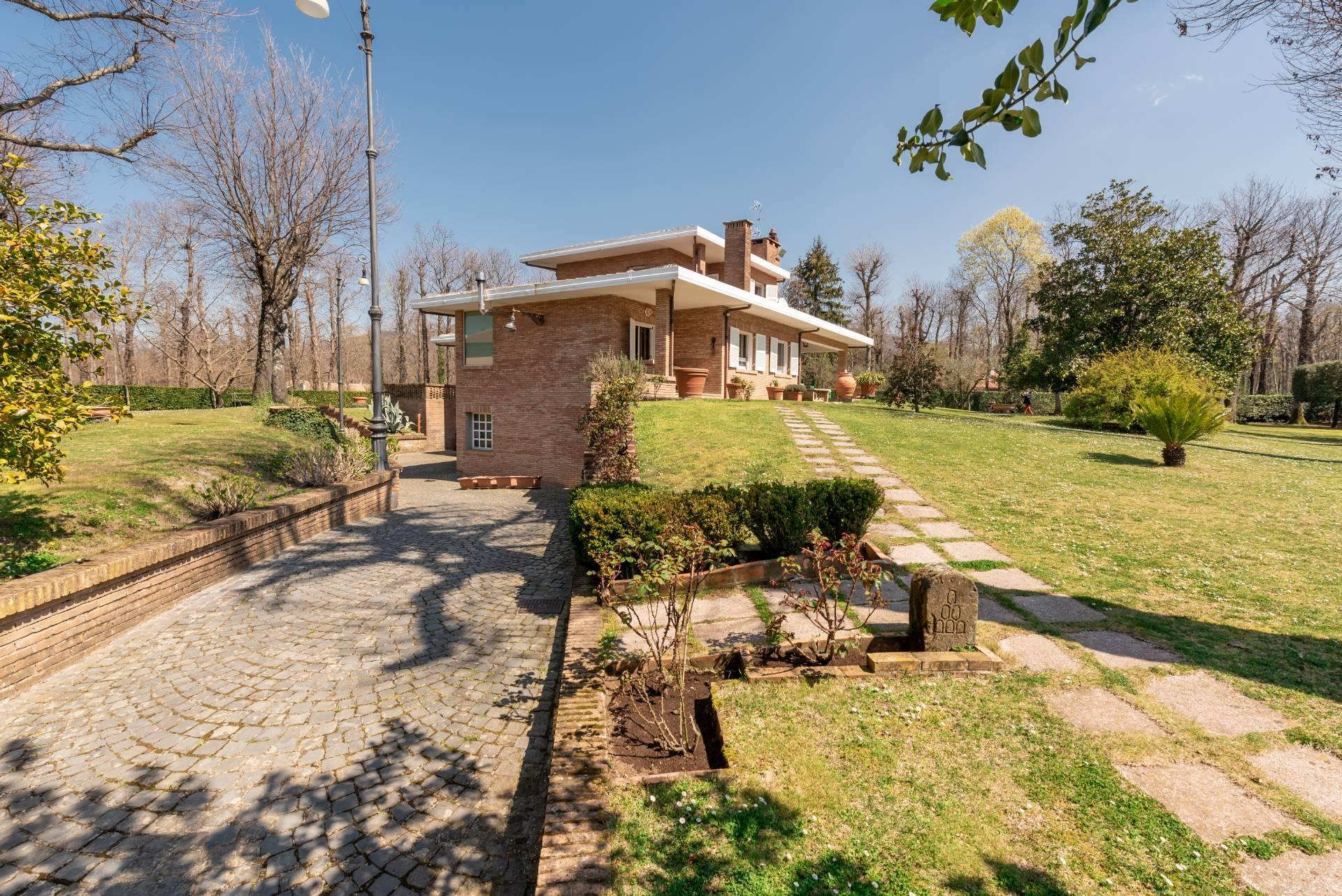 Villa in Vendita a Ariccia: 5 locali, 583 mq - Foto 2