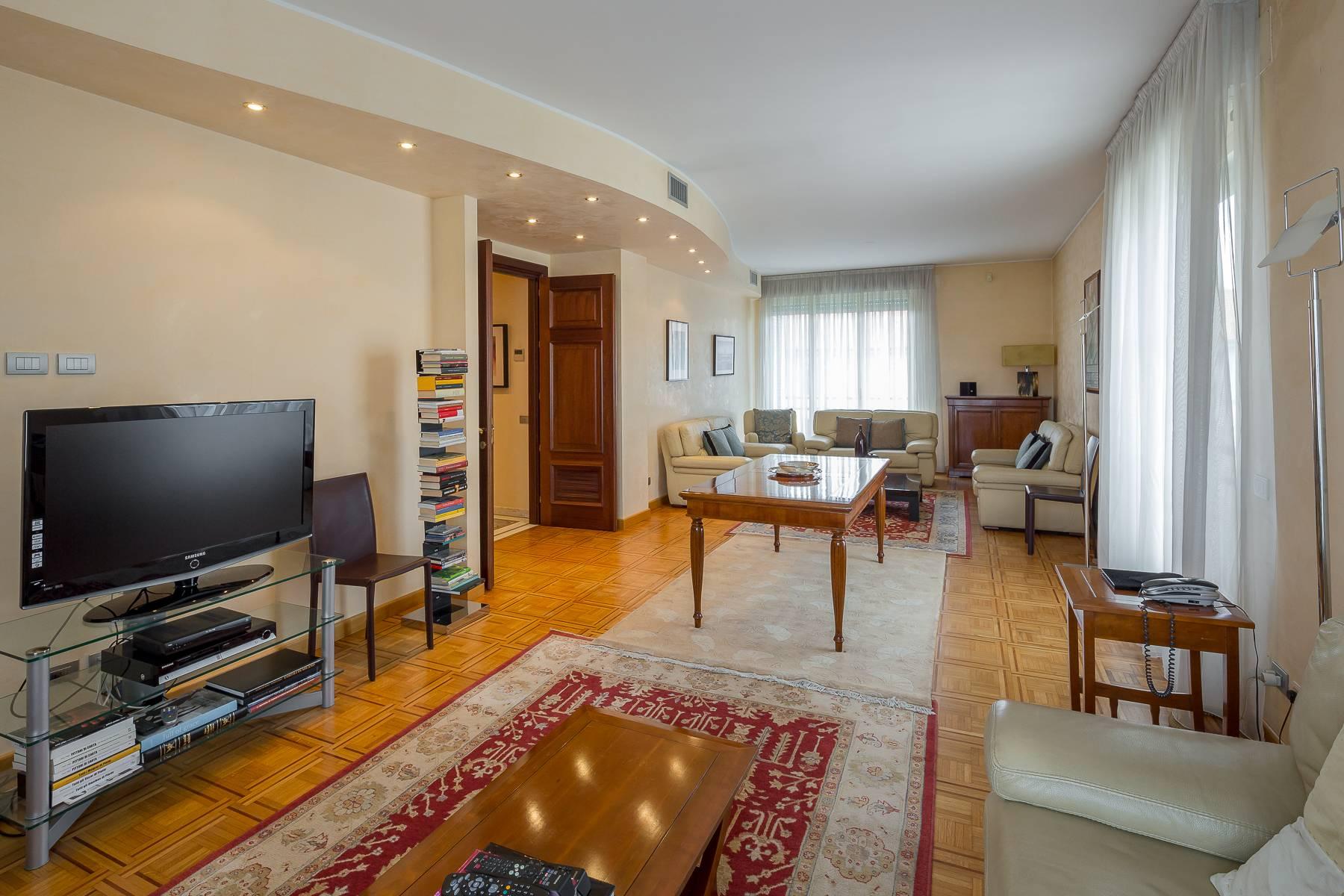 Appartamento in Affitto a Milano: 4 locali, 186 mq - Foto 2