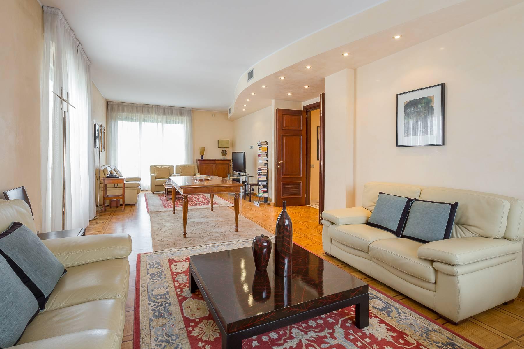 Appartamento in Affitto a Milano: 4 locali, 186 mq - Foto 1