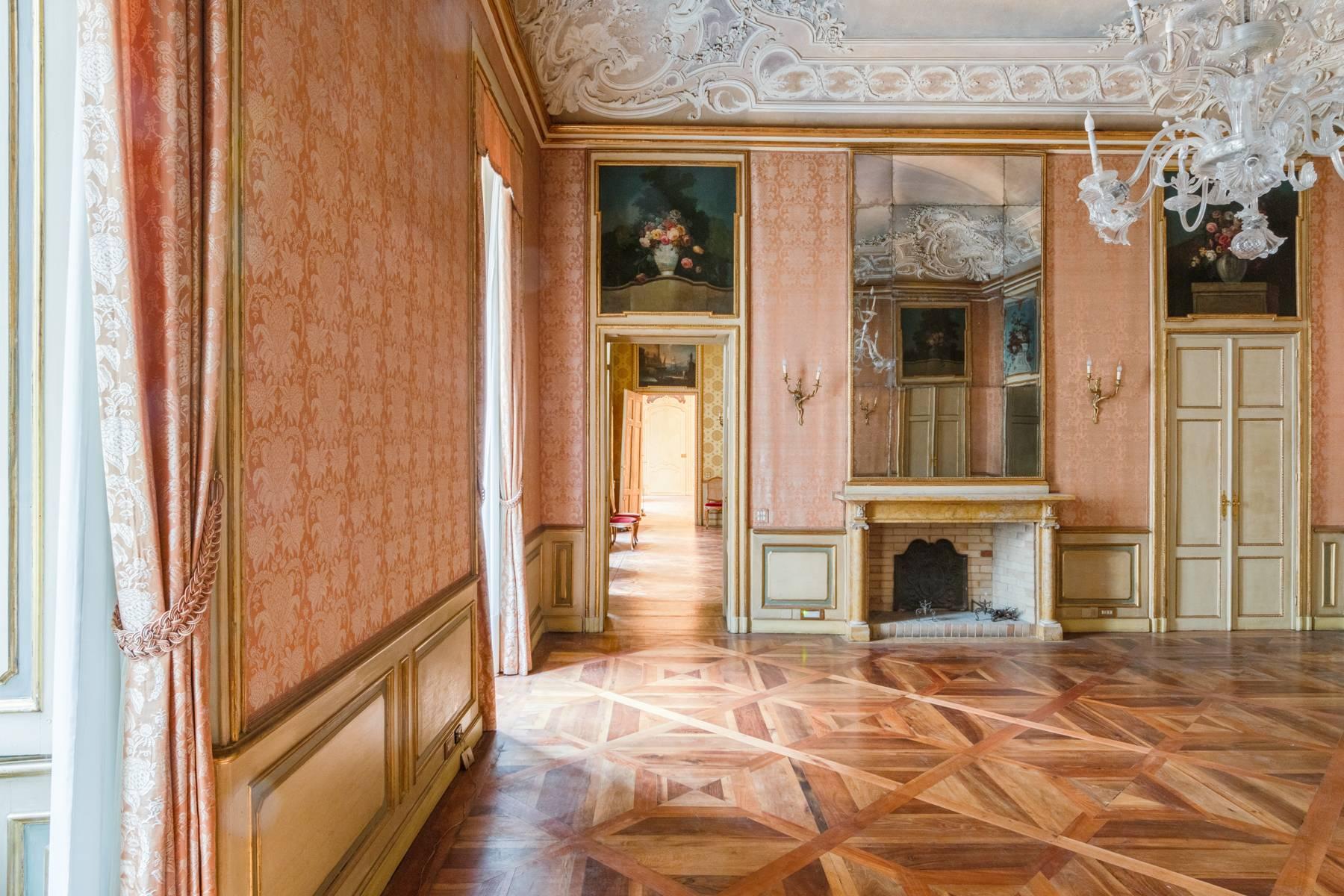 Appartamento in Vendita a Torino: 5 locali, 543 mq - Foto 12