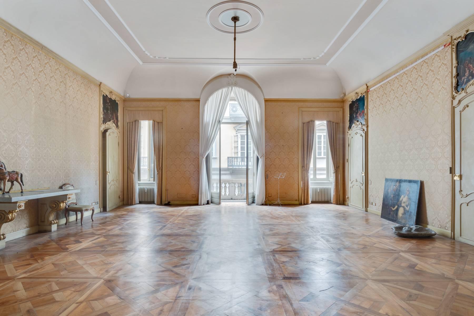 Appartamento in Vendita a Torino: 5 locali, 543 mq - Foto 4
