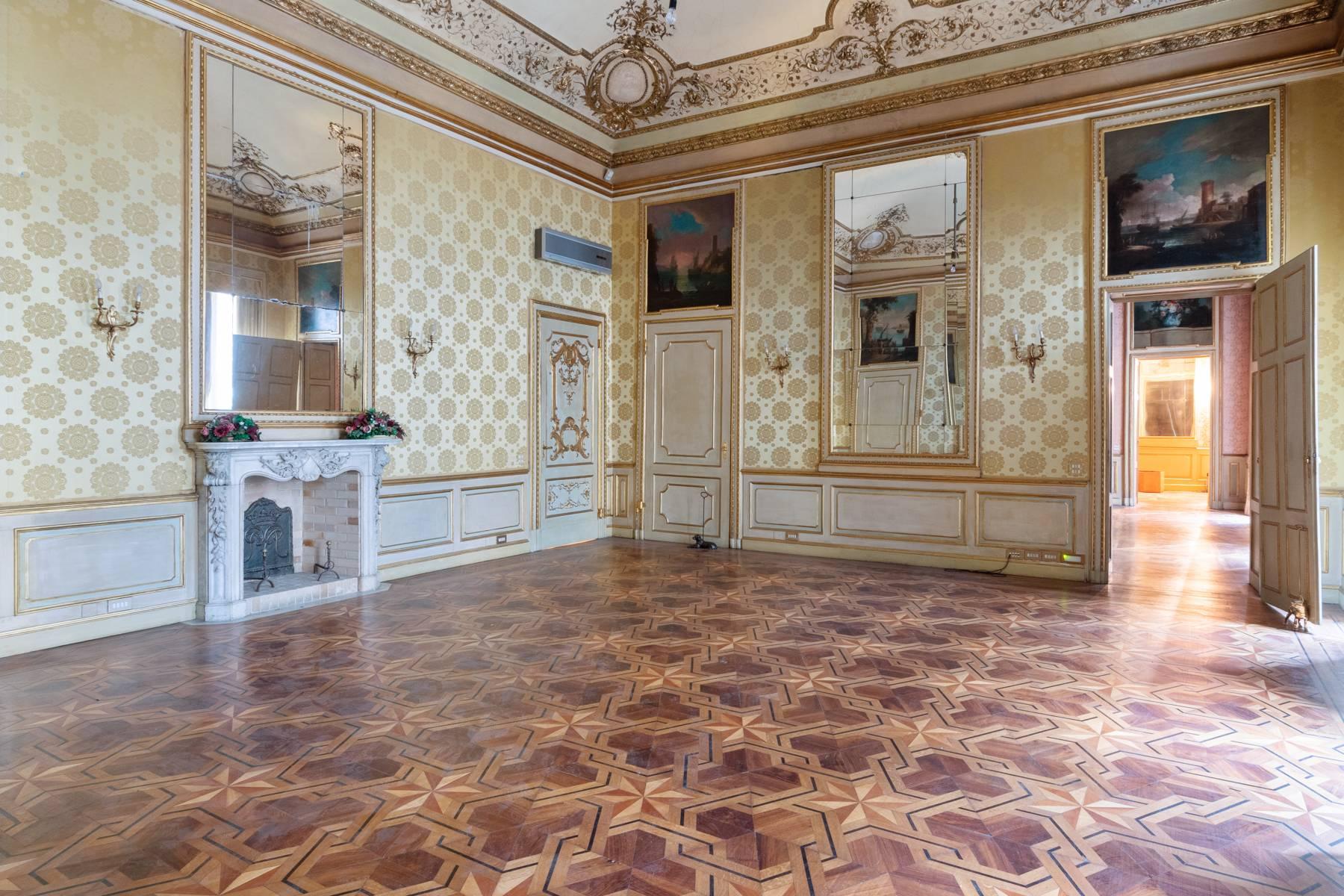 Appartamento in Vendita a Torino: 5 locali, 543 mq - Foto 11