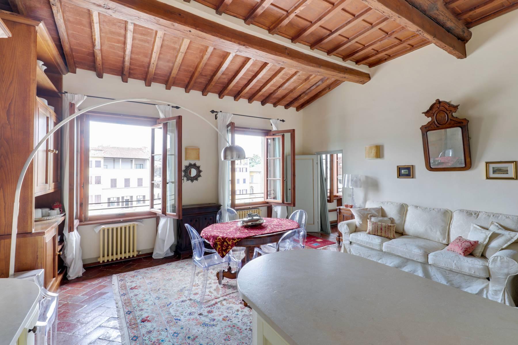 Appartamento in Vendita a Firenze piazza di santa croce