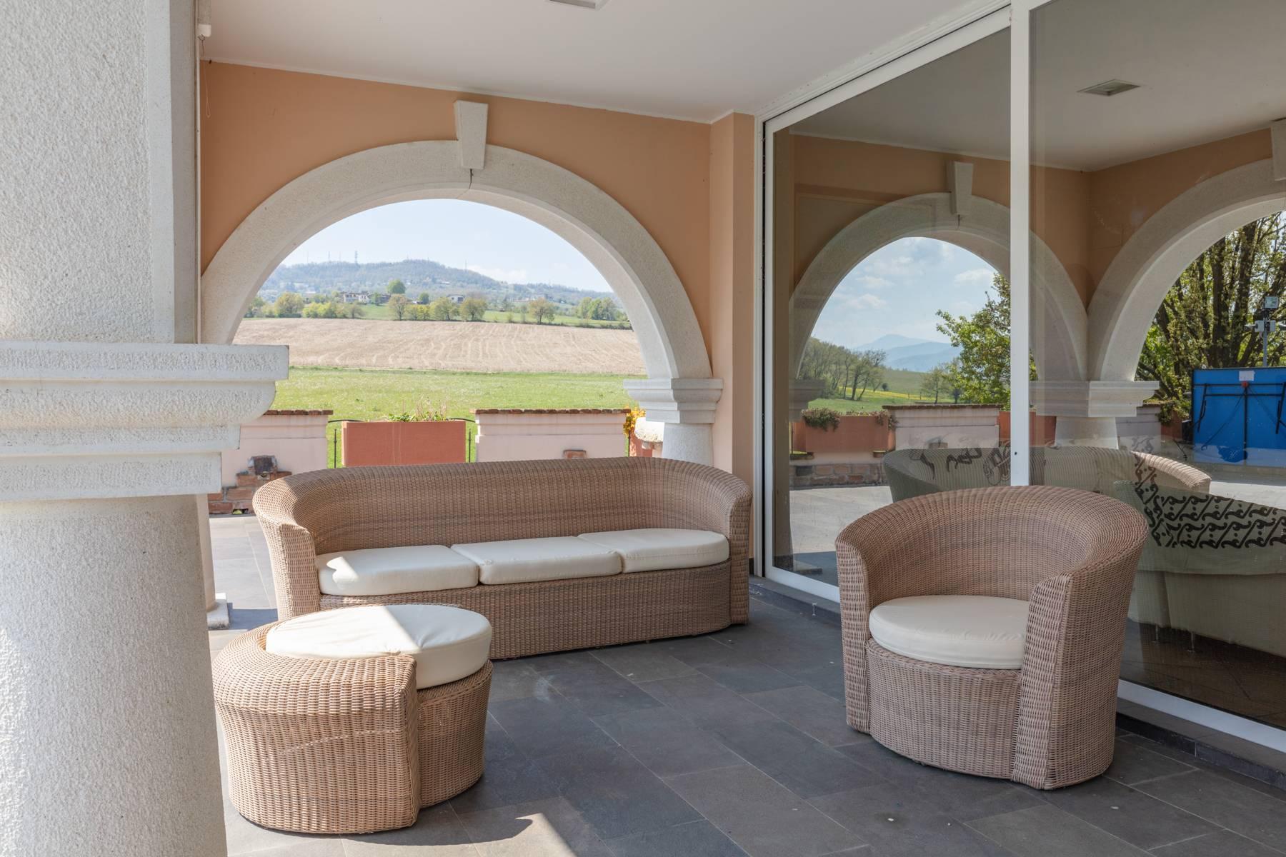 Villa in Vendita a Gazzola: 5 locali, 430 mq - Foto 2