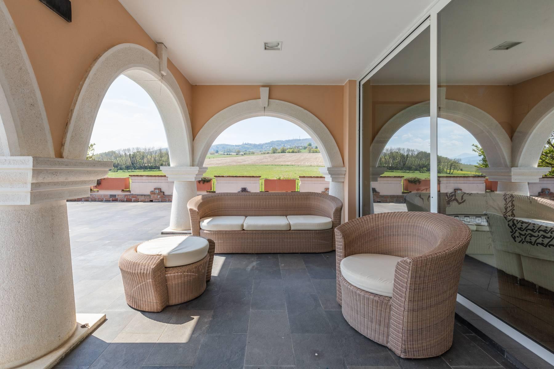Villa in Vendita a Gazzola: 5 locali, 430 mq - Foto 1
