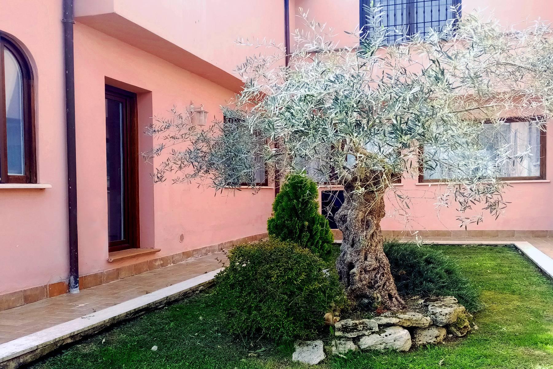 Villa in Vendita a Rignano Flaminio: 5 locali, 800 mq - Foto 2