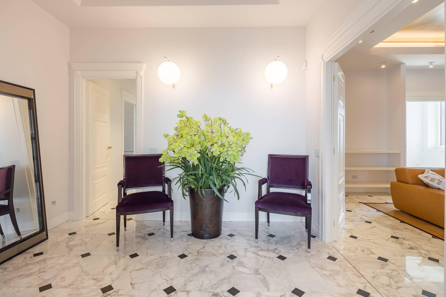 Appartamento in Affitto a Milano: 5 locali, 205 mq - Foto 2