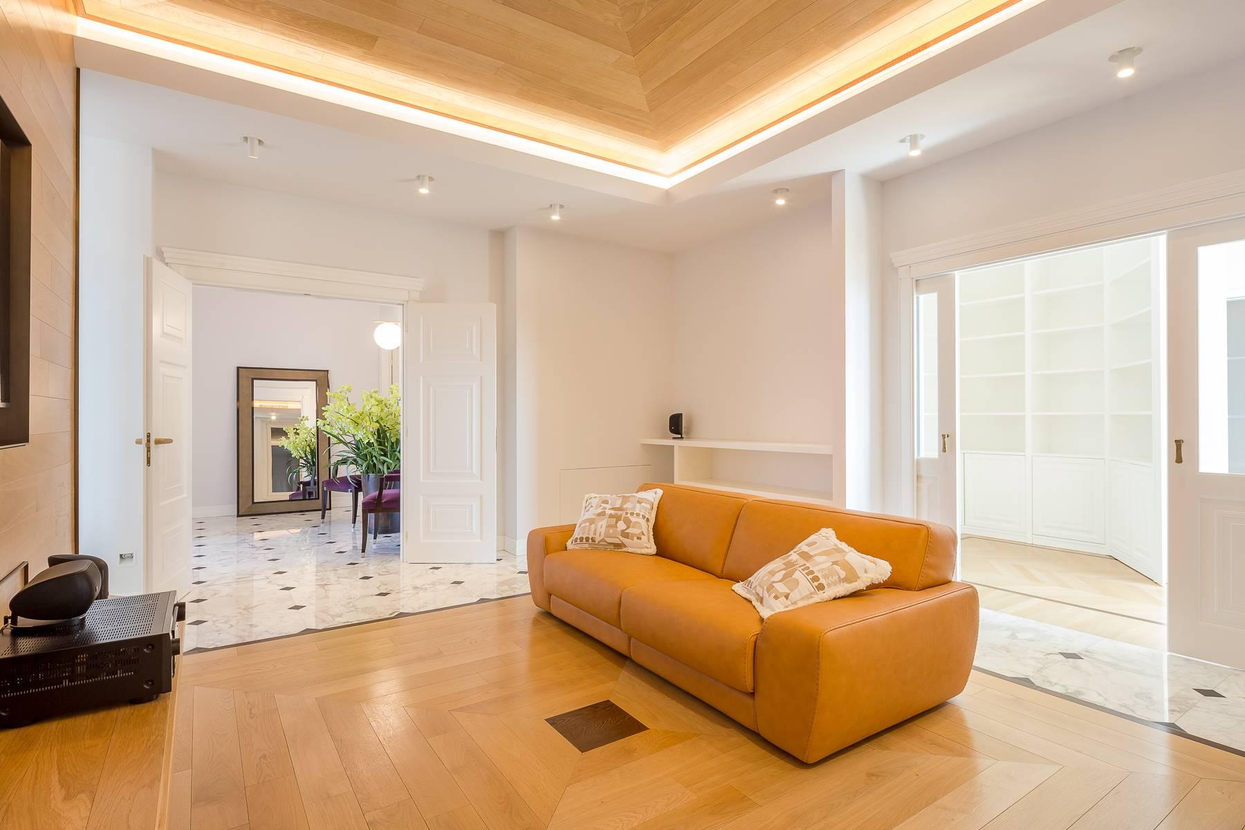 Appartamento in Affitto a Milano: 5 locali, 205 mq - Foto 4