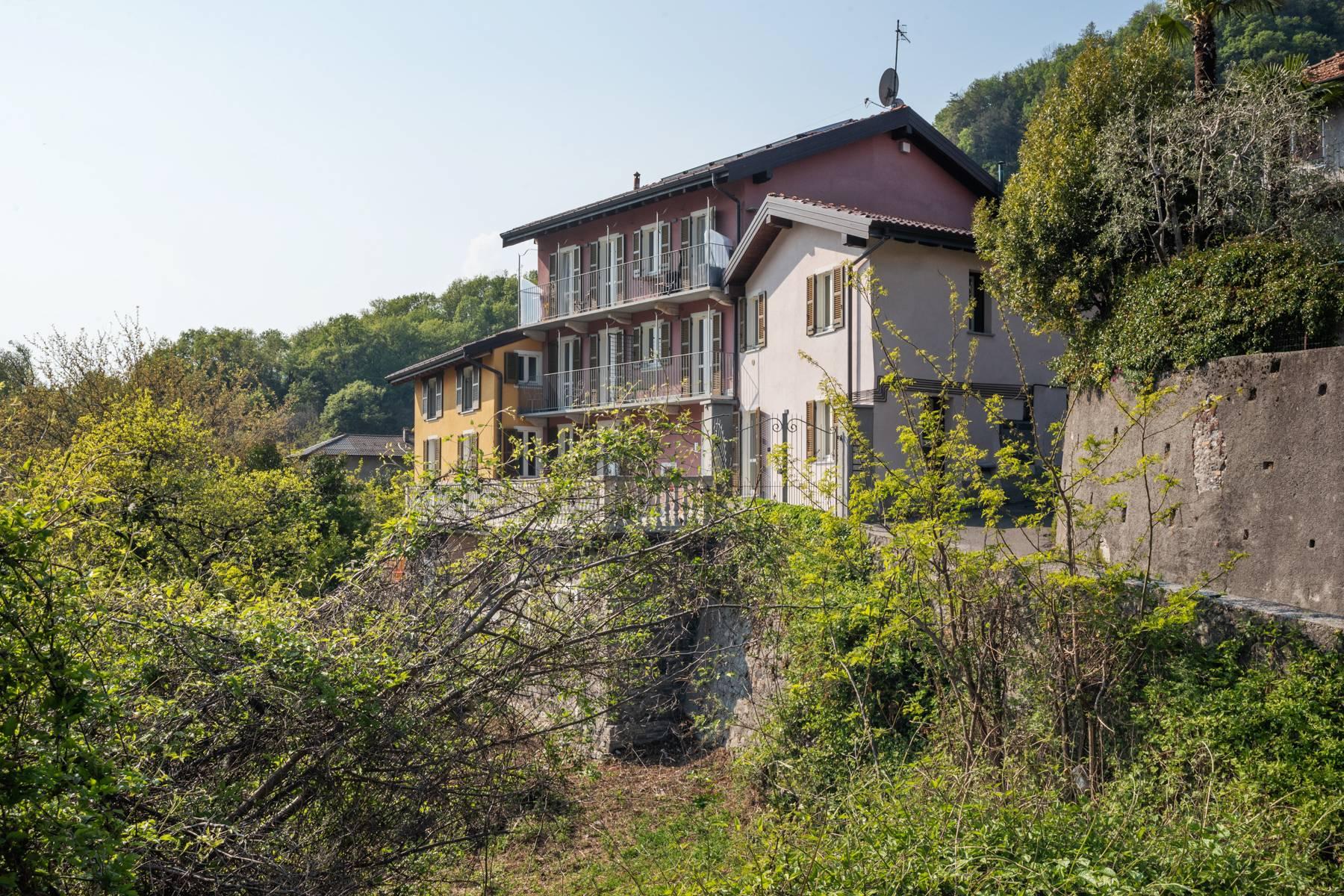 Appartamento in Vendita a Castelveccana: 3 locali, 82 mq - Foto 1