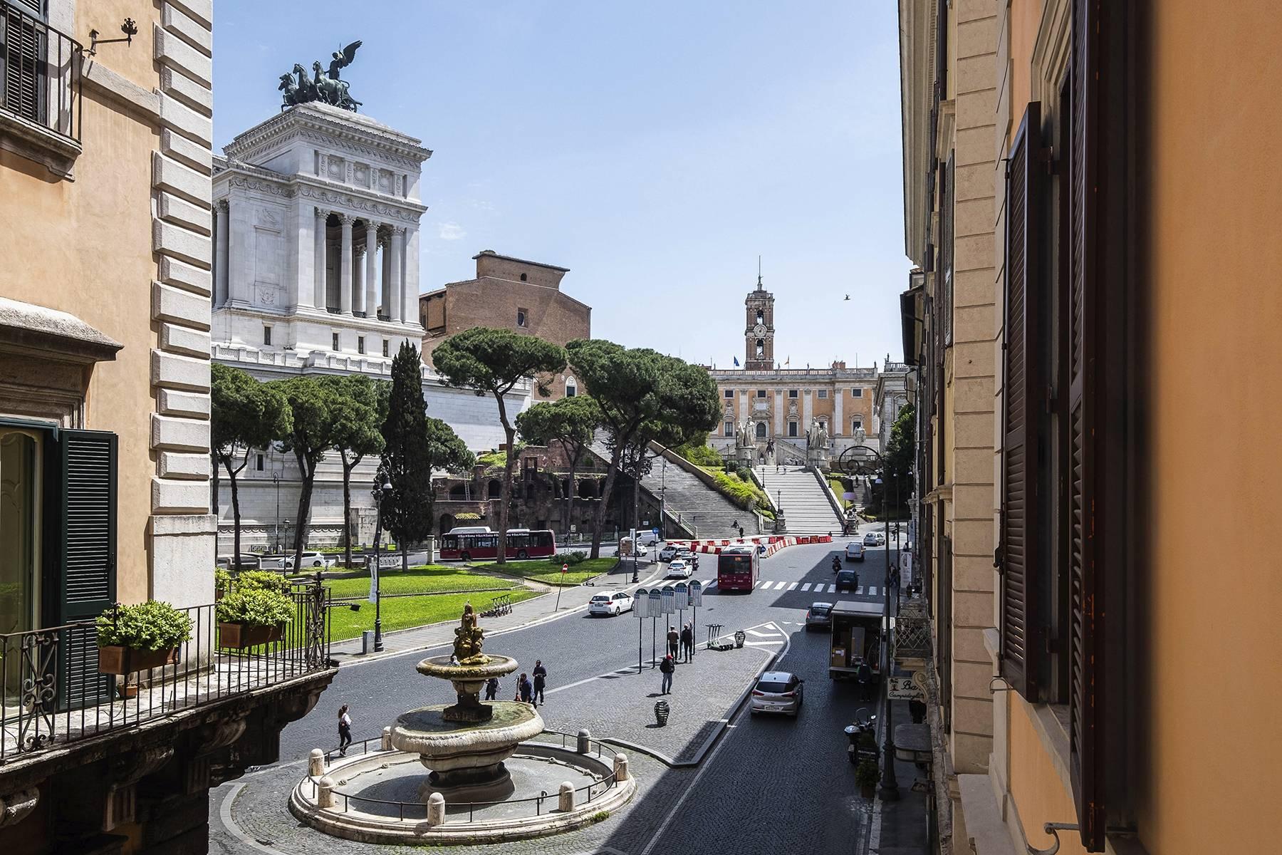 Ufficio-studio in Affitto a Roma via d'aracoeli