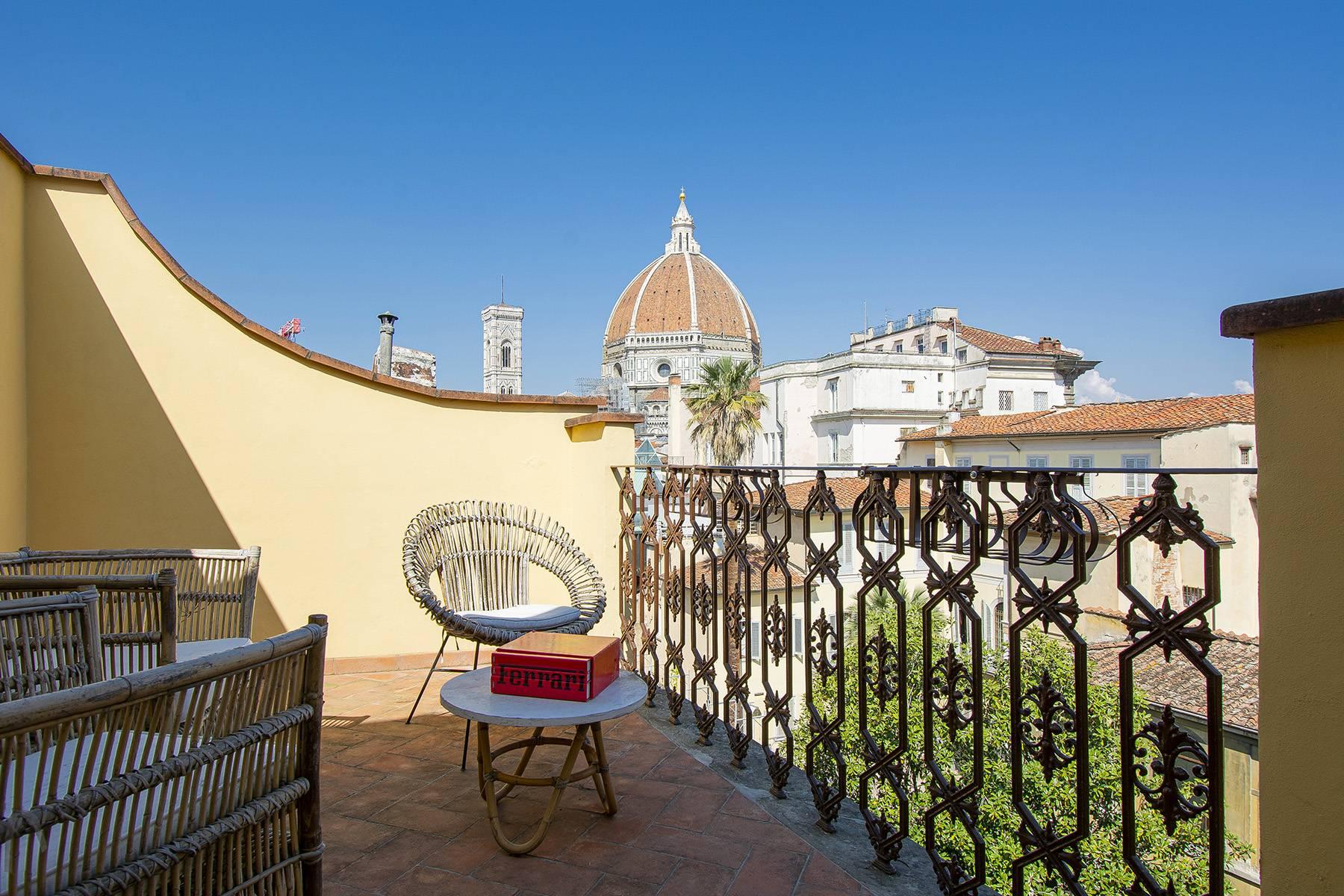 Appartamento in Affitto a Firenze borgo degli albizi