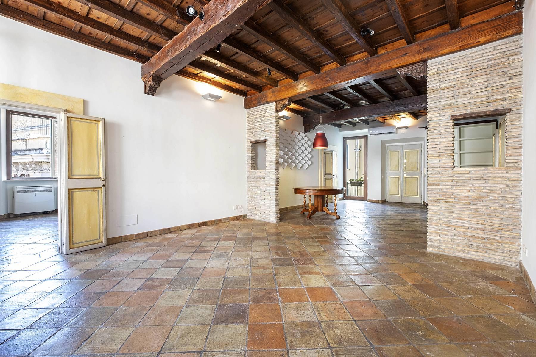 Appartamento in Affitto a Roma via della palombella
