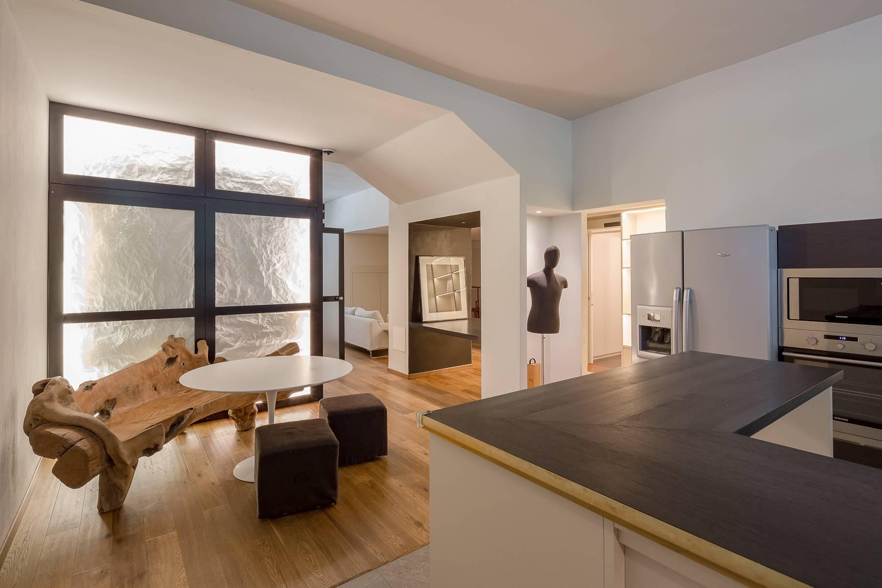 Appartamento in Affitto a Milano via viale gian galeazzo