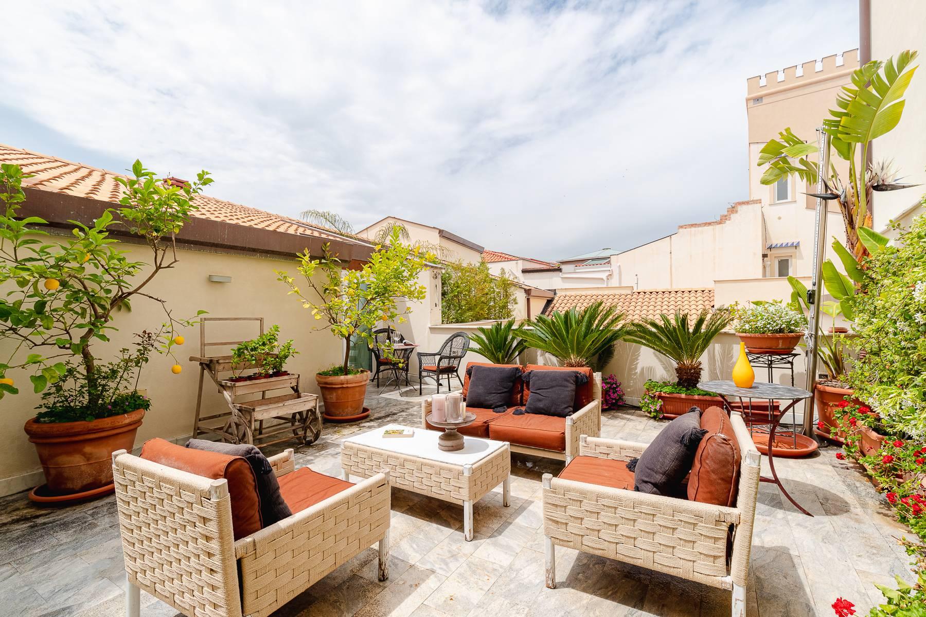 Appartamento in Vendita a Palermo: 5 locali, 227 mq - Foto 2