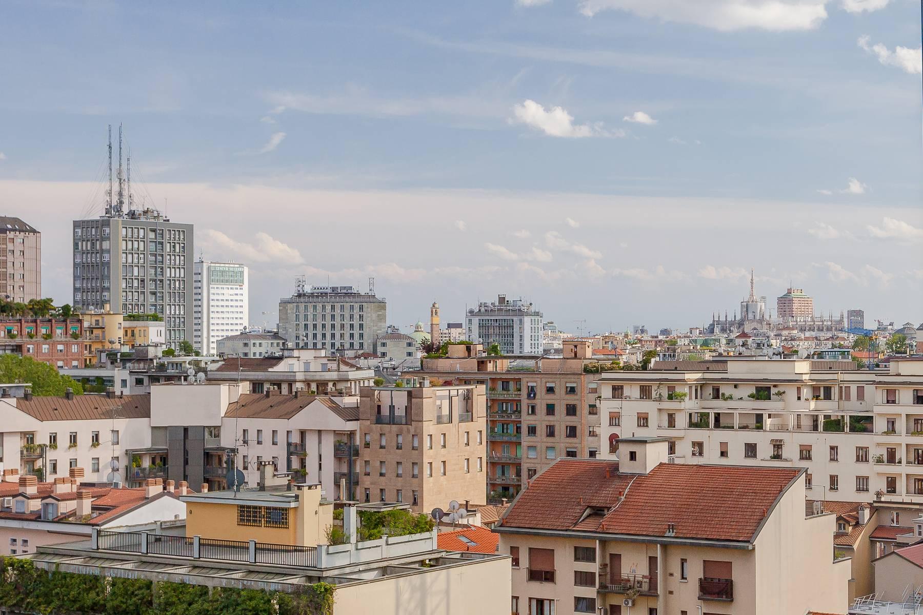 Appartamento in Vendita a Milano: 2 locali, 93 mq - Foto 2