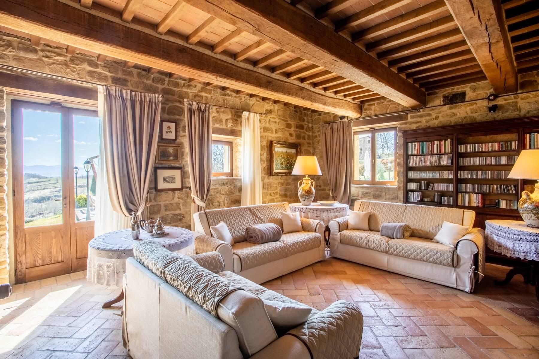 Villa in Vendita a Gubbio: 5 locali, 800 mq - Foto 3