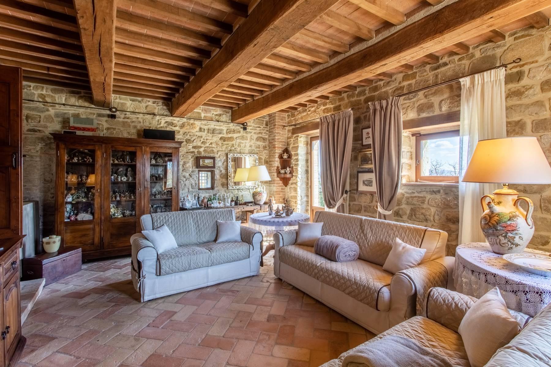 Villa in Vendita a Gubbio frazione montanaldo
