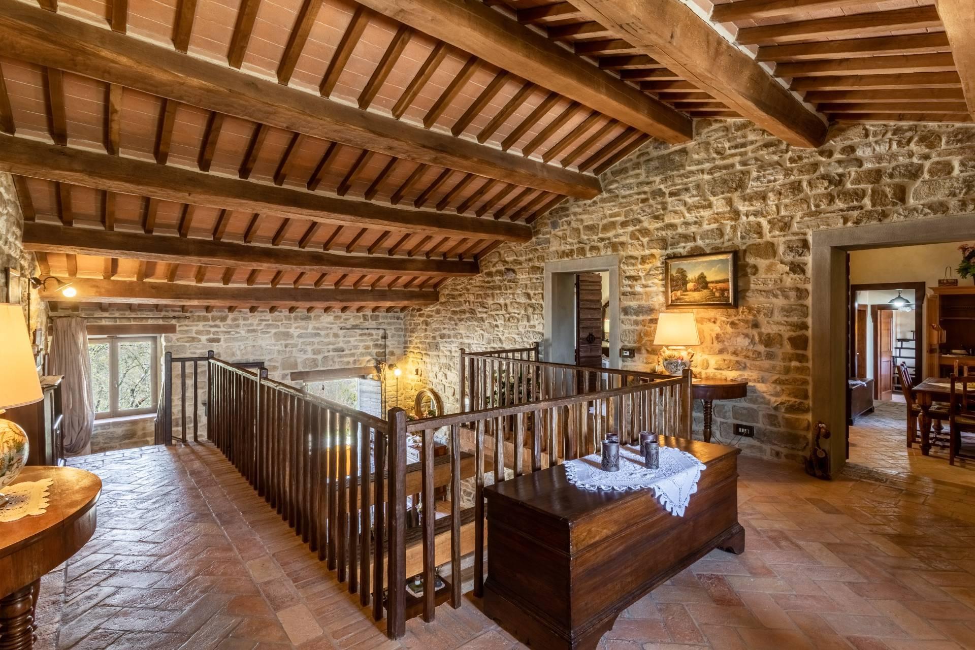 Villa in Vendita a Gubbio: 5 locali, 800 mq - Foto 20
