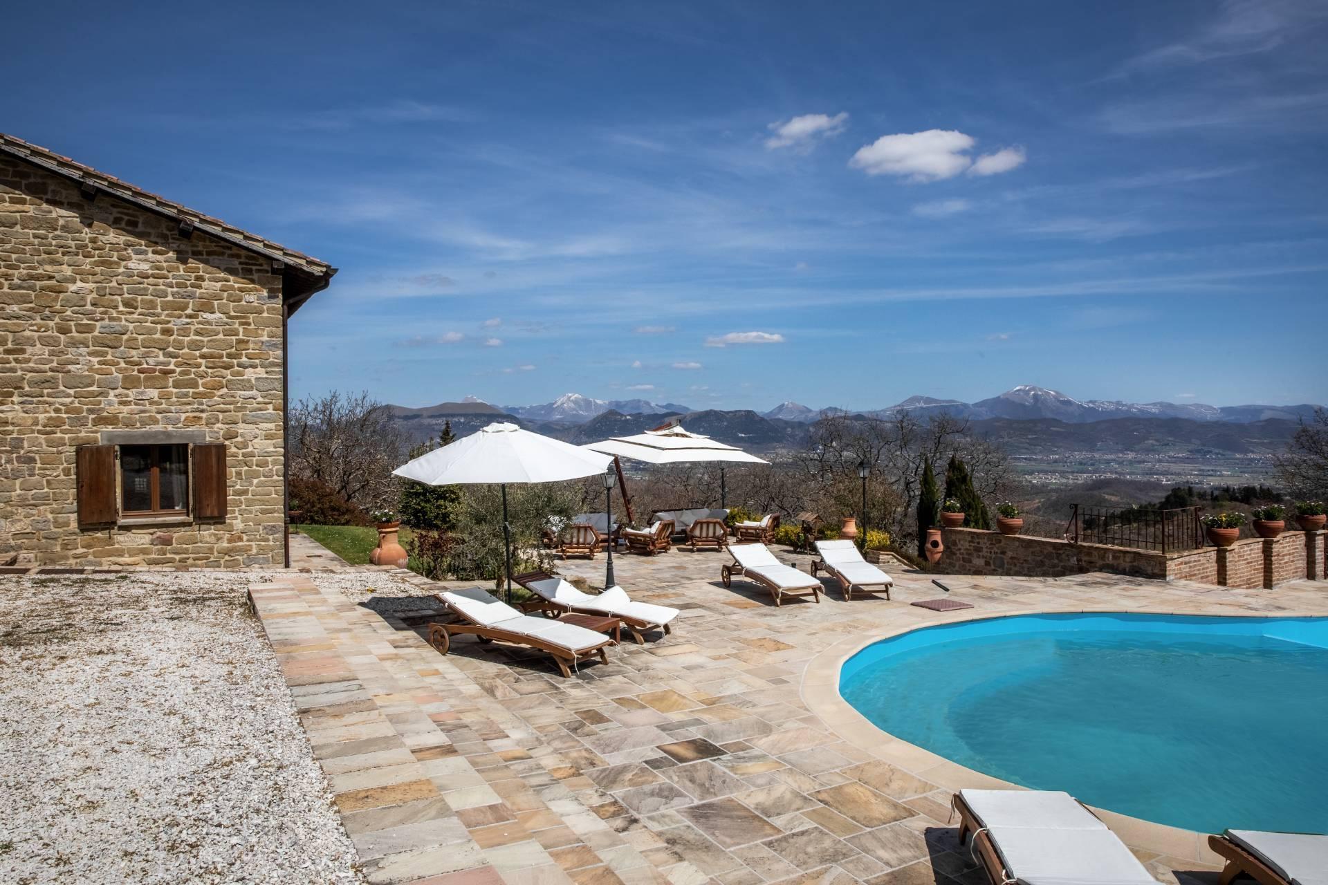 Villa in Vendita a Gubbio: 5 locali, 800 mq - Foto 12