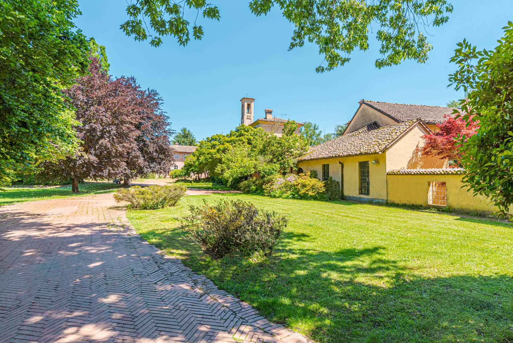Villa in Vendita a Pavia strada sora