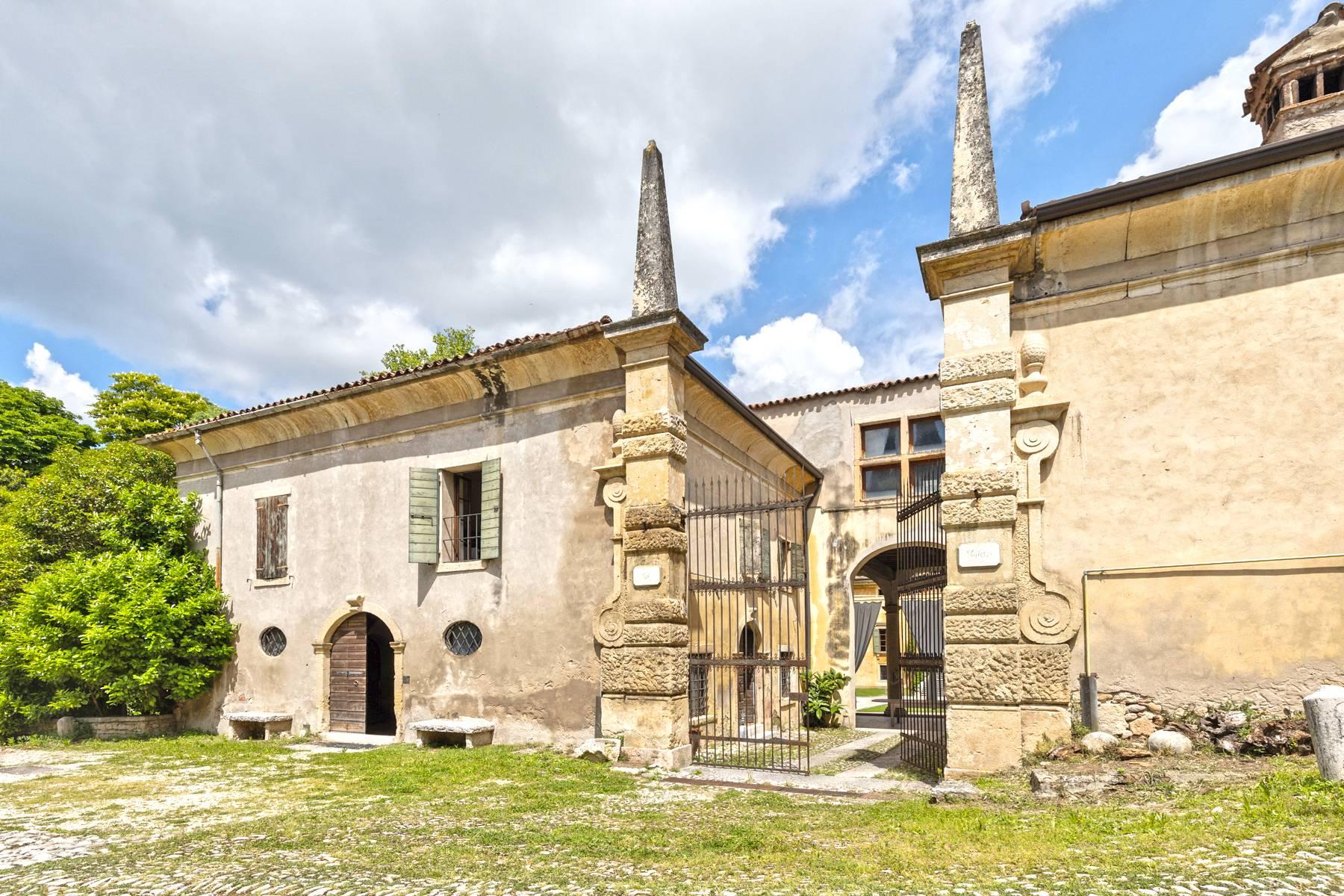 Villa in Vendita a Verona: 5 locali, 2400 mq - Foto 14