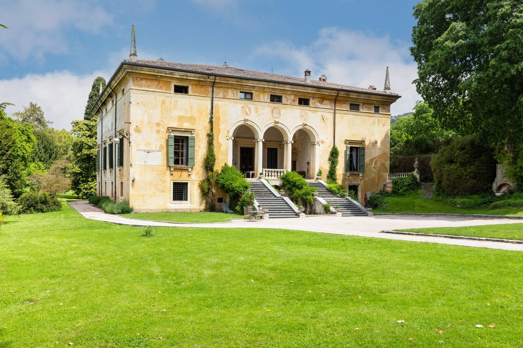 Villa in Vendita a Verona: 5 locali, 2400 mq - Foto 5