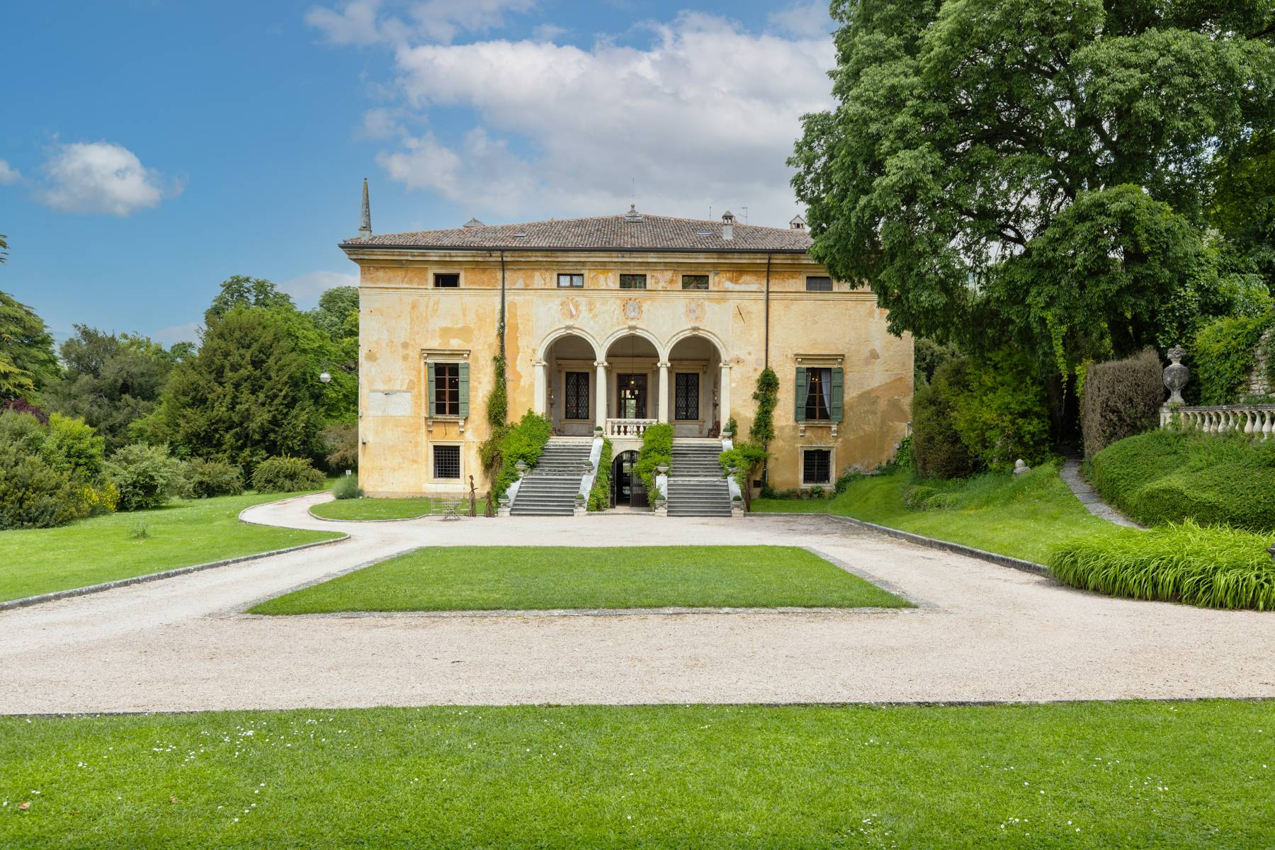 Villa in Vendita a Verona: 5 locali, 2400 mq - Foto 8