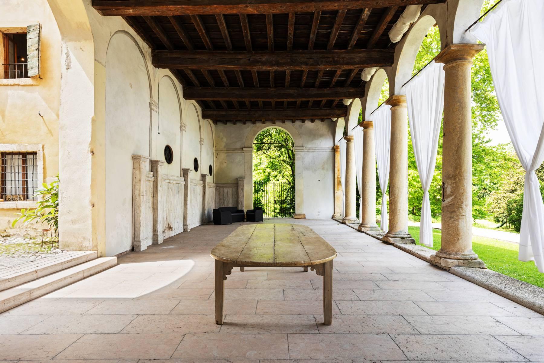 Villa in Vendita a Verona: 5 locali, 2400 mq - Foto 13
