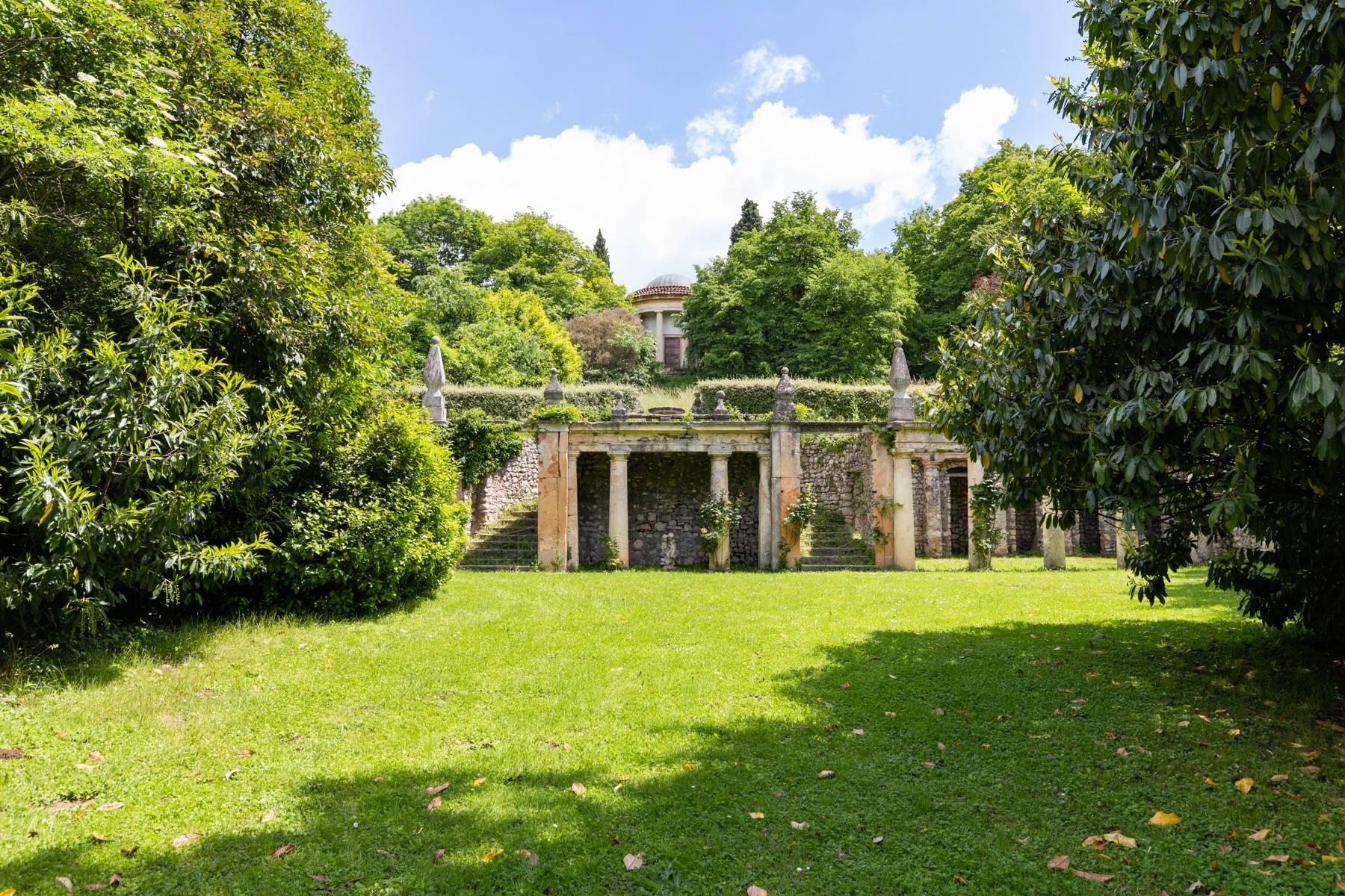 Villa in Vendita a Verona: 5 locali, 2400 mq - Foto 12