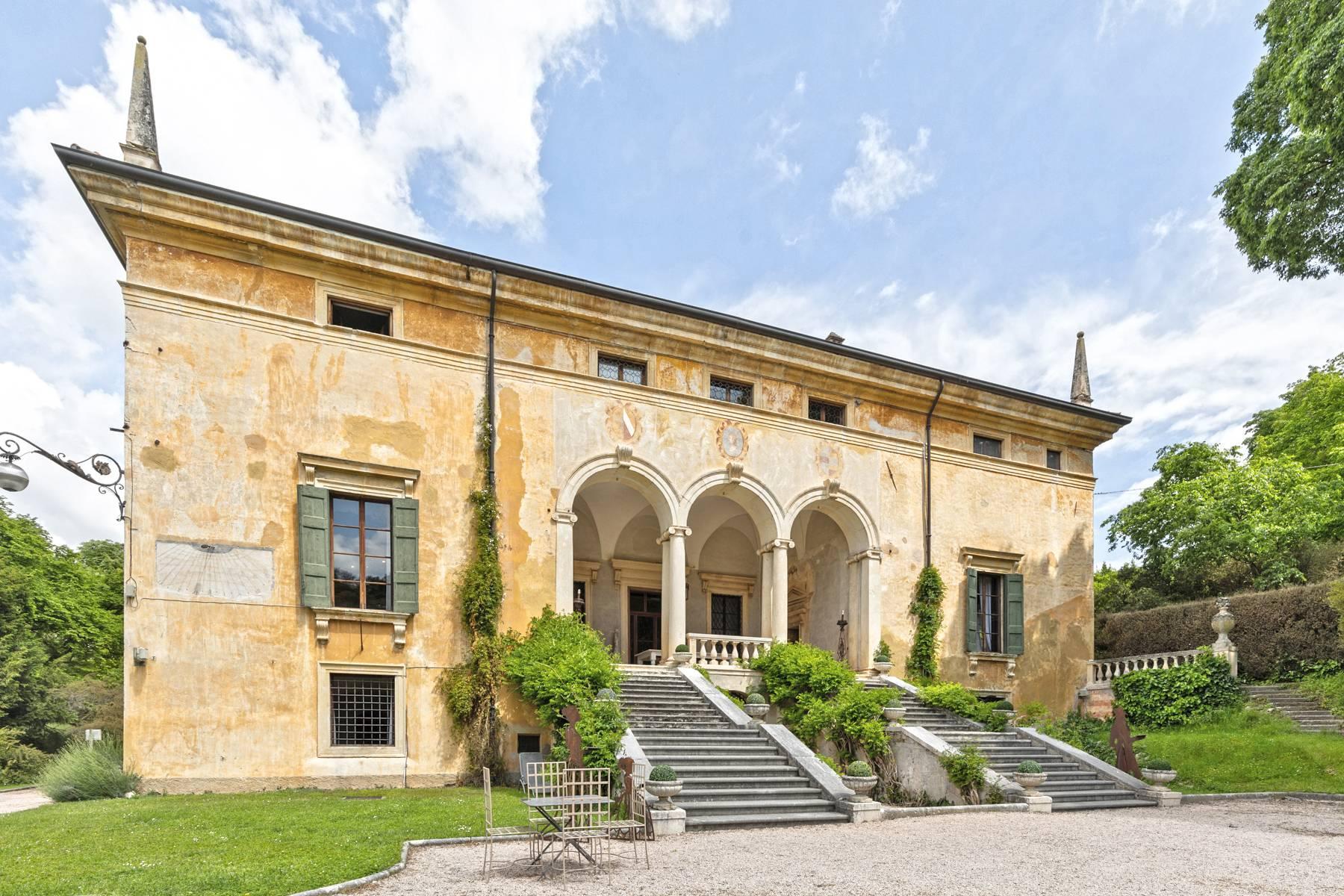 Villa in Vendita a Verona: 5 locali, 2400 mq - Foto 9