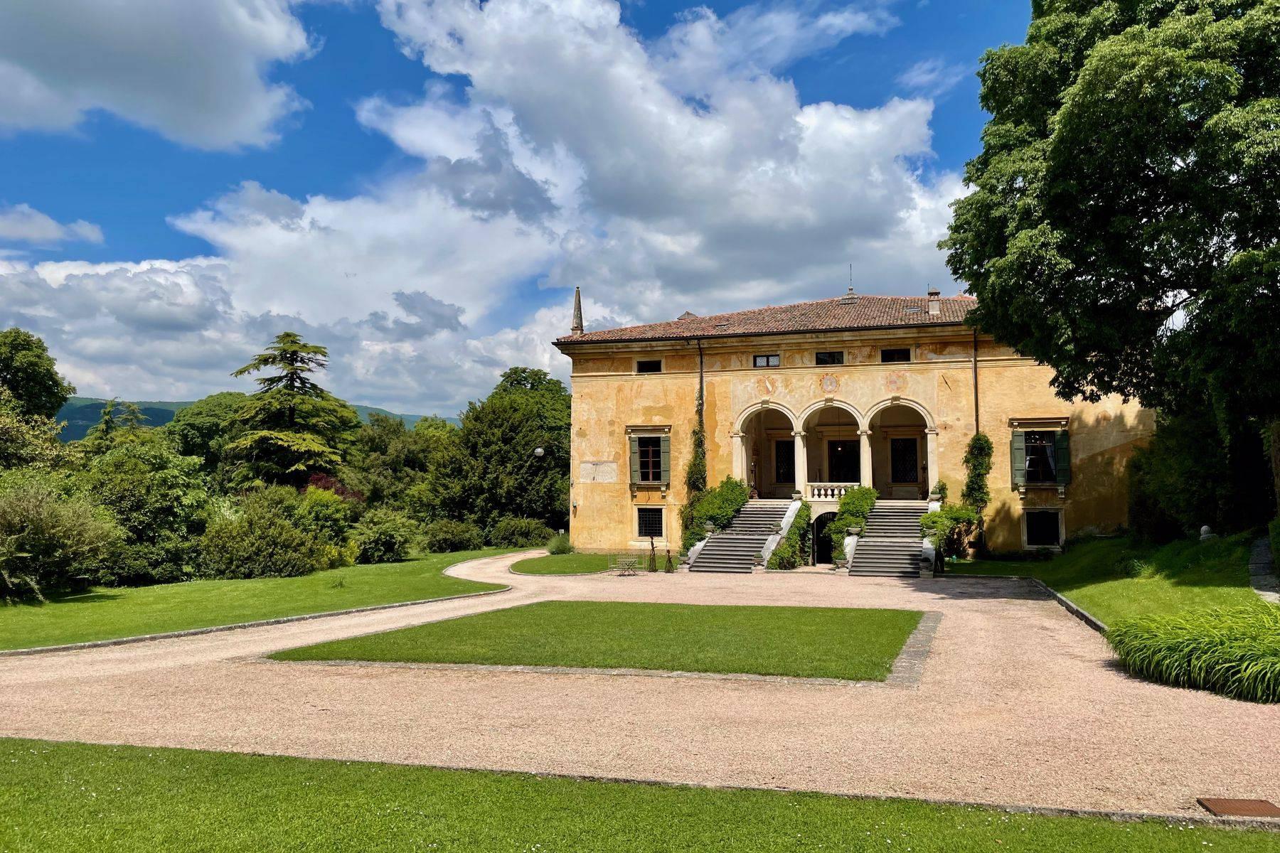 Villa in Vendita a Verona: 5 locali, 2400 mq - Foto 30