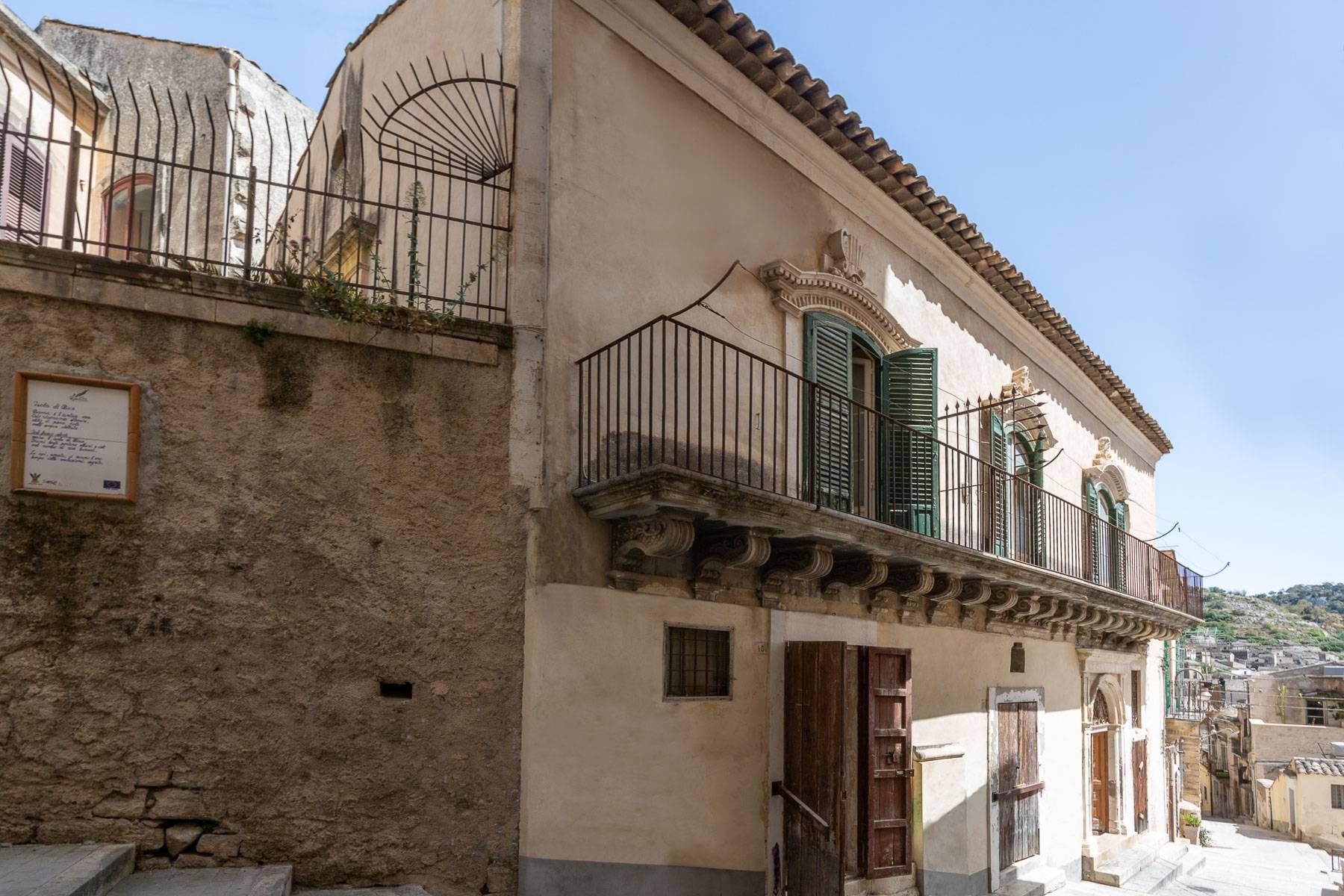 Palazzo in Vendita a Modica: 5 locali, 800 mq - Foto 2