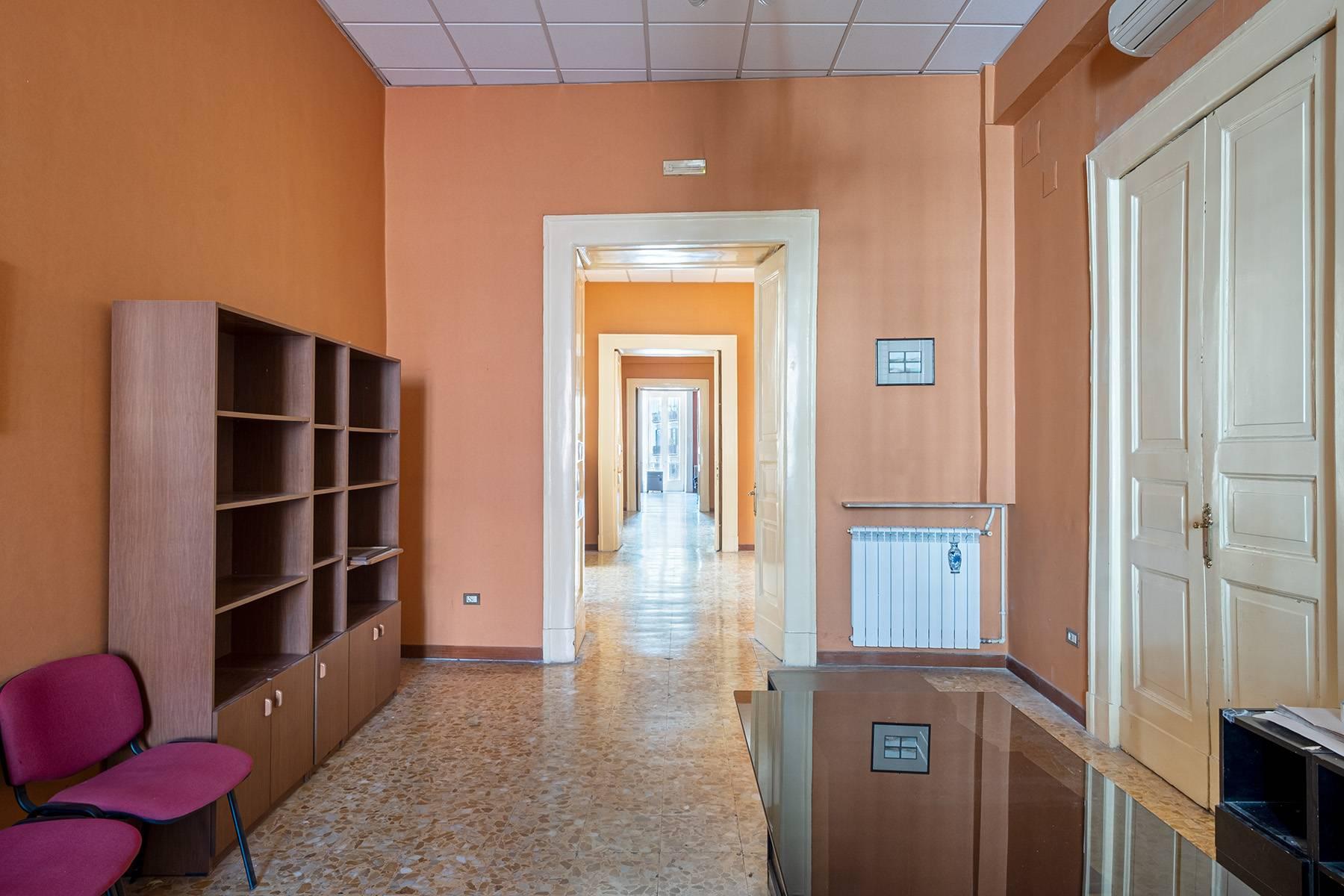 Appartamento in Affitto a Napoli: 5 locali, 368 mq - Foto 13