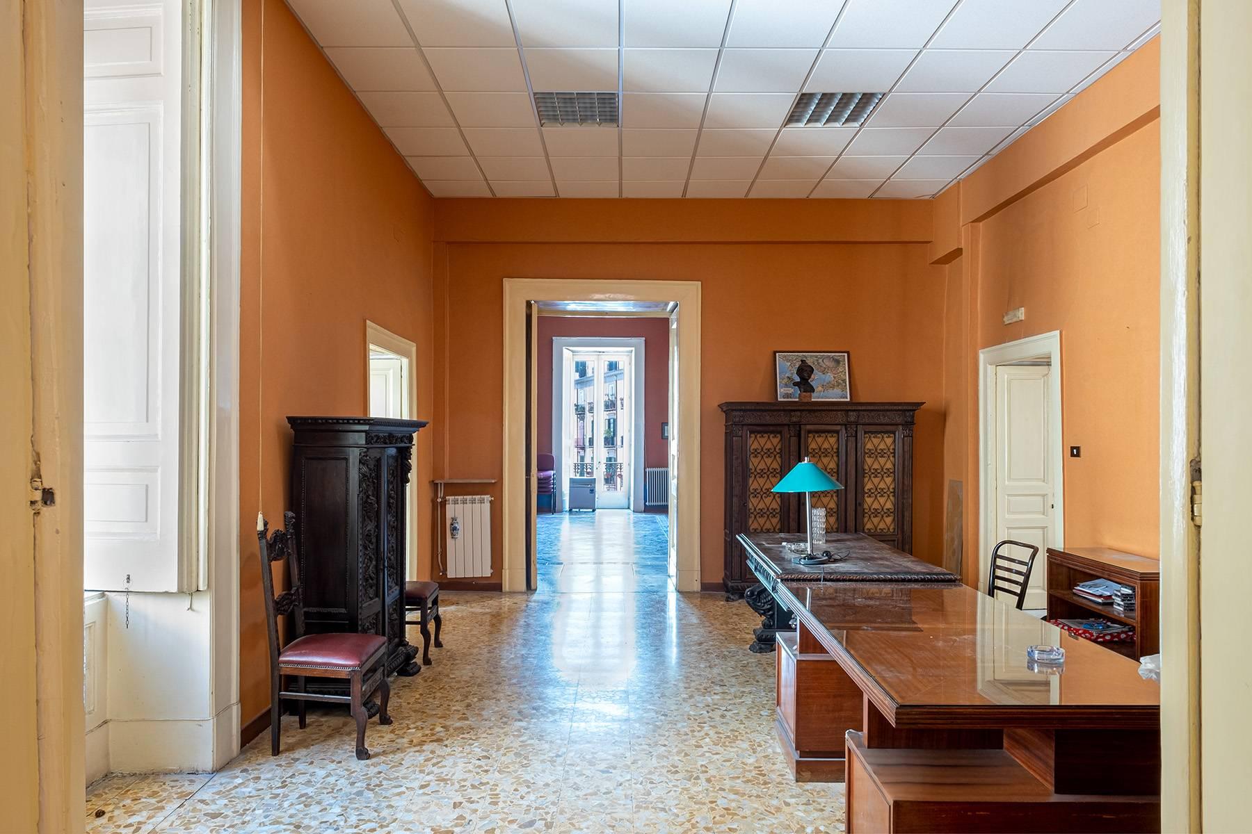 Appartamento in Affitto a Napoli: 5 locali, 368 mq - Foto 15