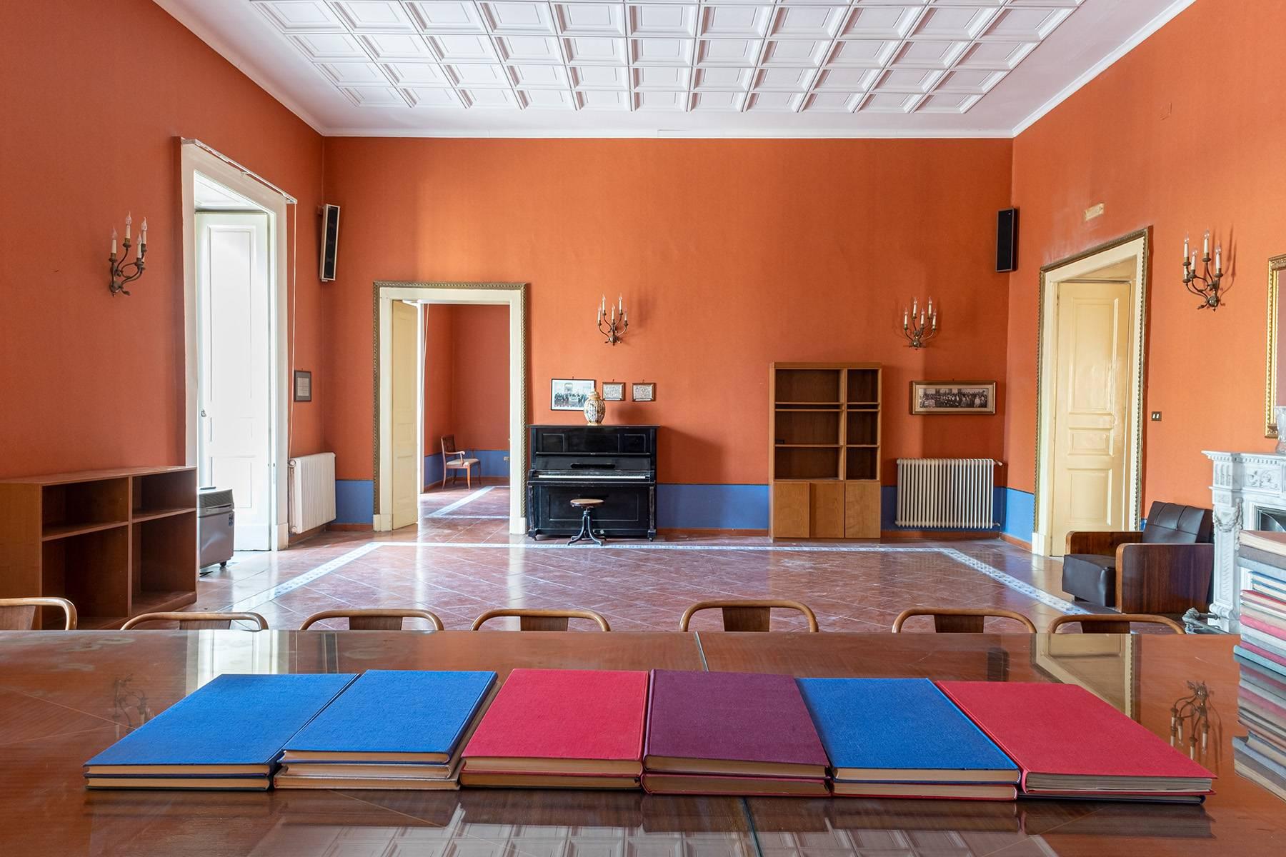 Appartamento in Affitto a Napoli: 5 locali, 368 mq - Foto 5