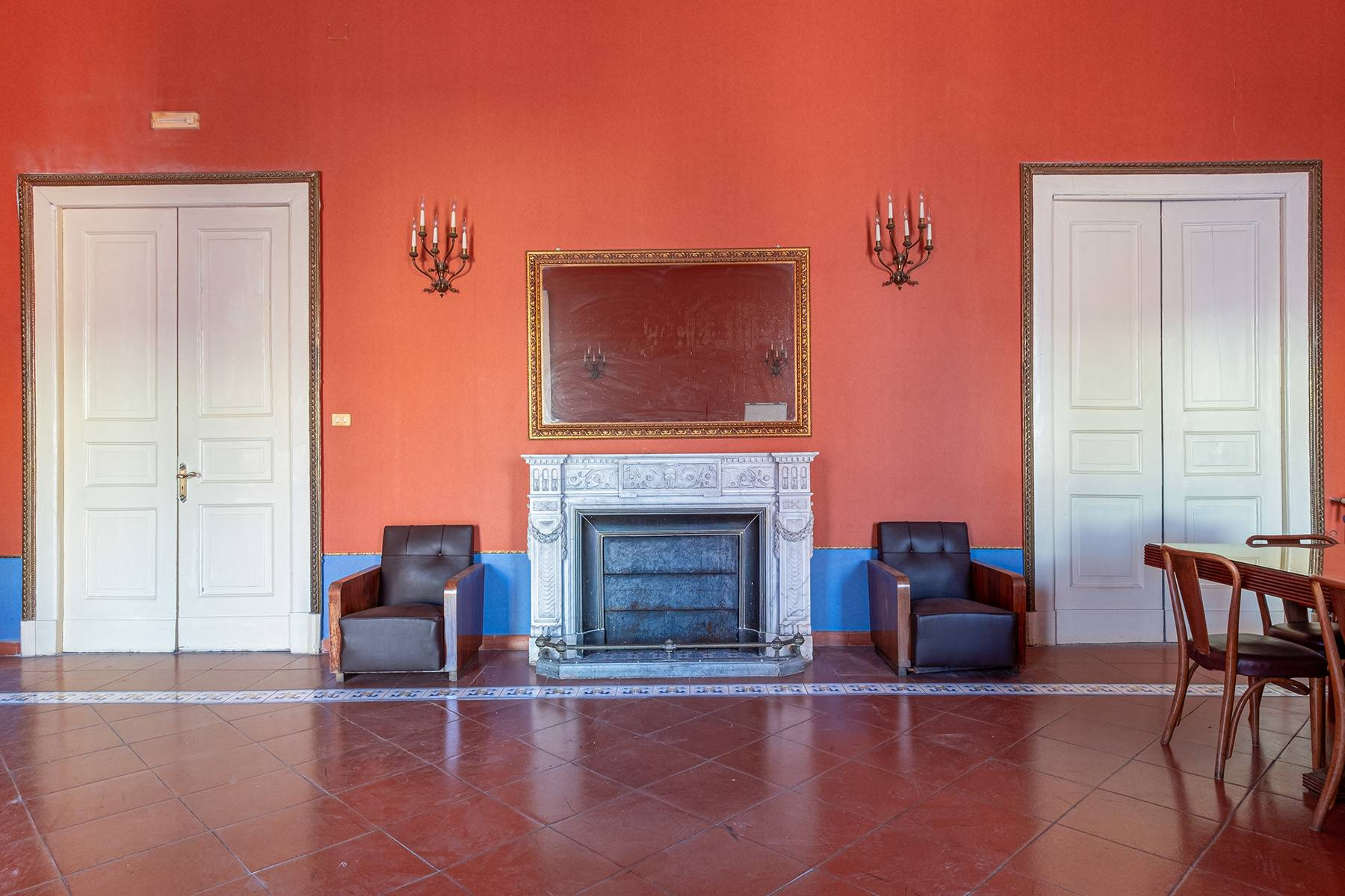 Appartamento in Affitto a Napoli: 5 locali, 368 mq - Foto 1