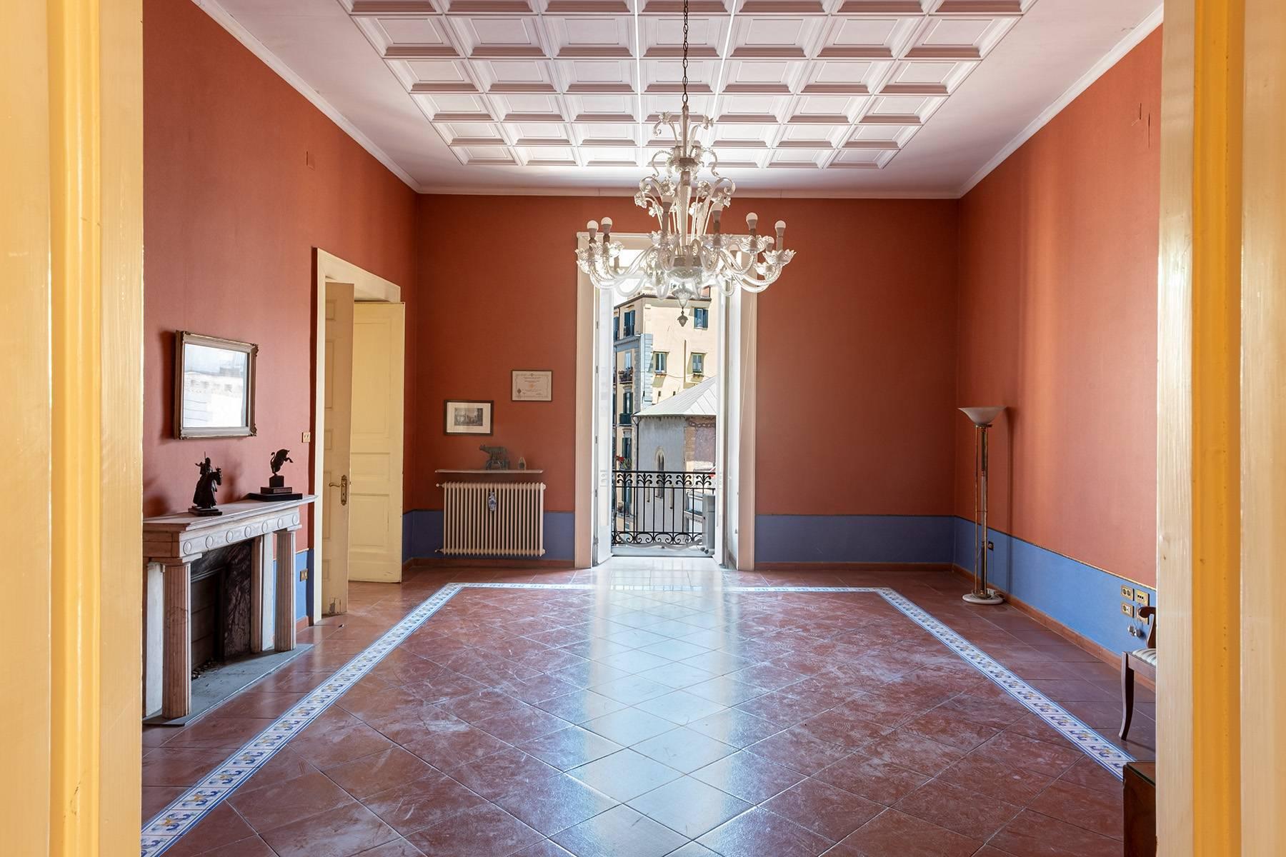 Appartamento in Affitto a Napoli: 5 locali, 368 mq - Foto 6