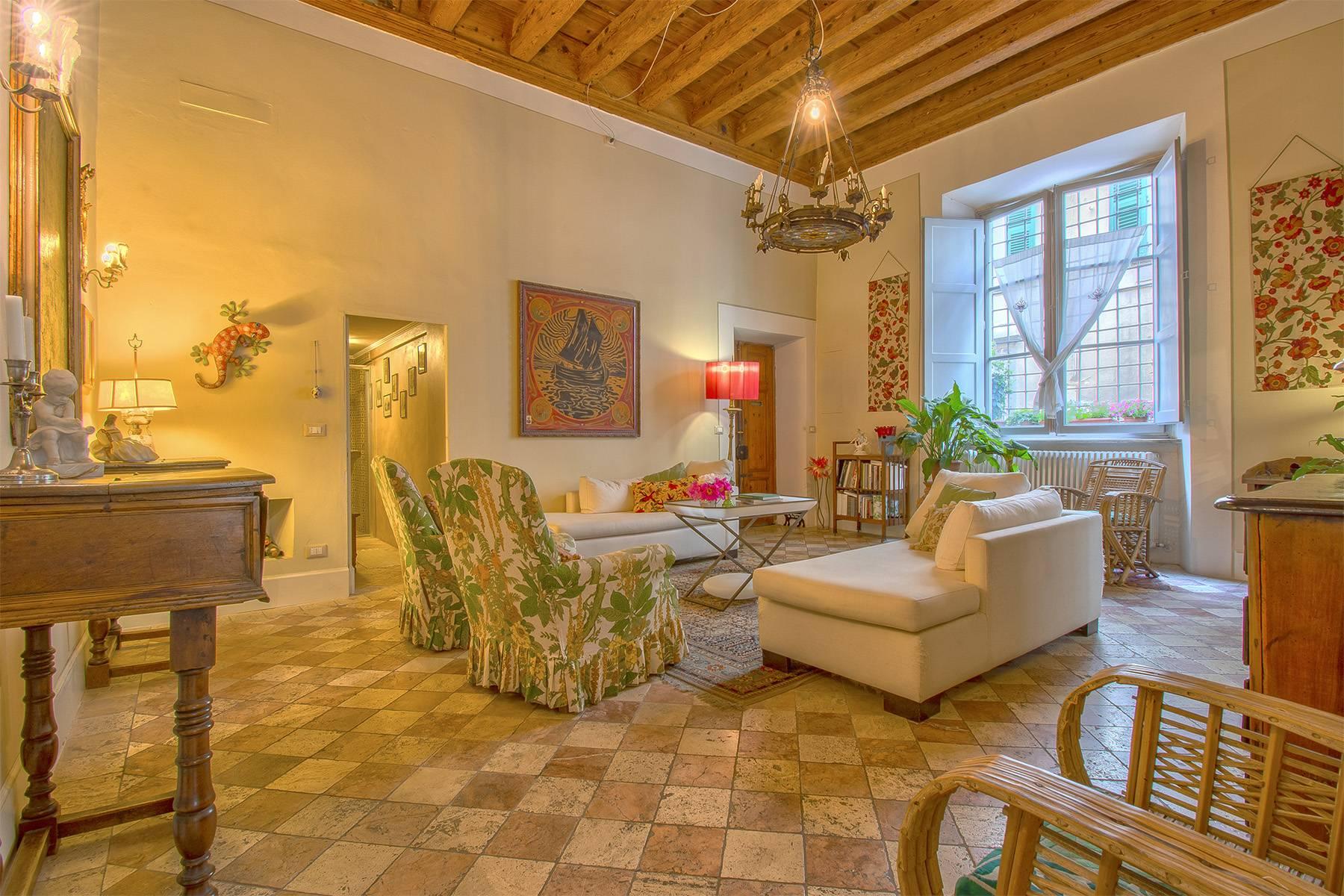 Appartamento in Vendita a Lucca via vittorio emanuele