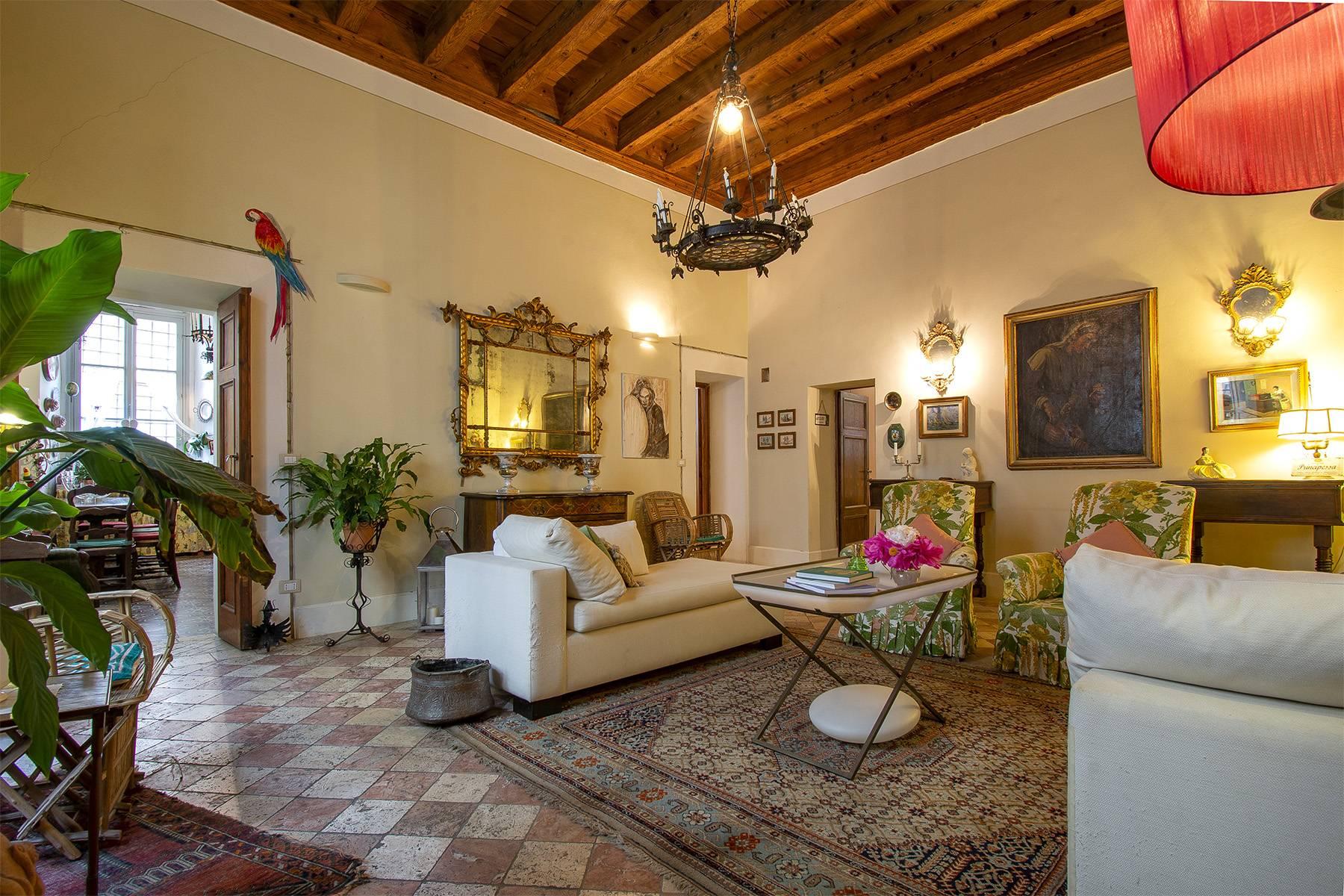 Appartamento in Vendita a Lucca: 5 locali, 180 mq - Foto 2