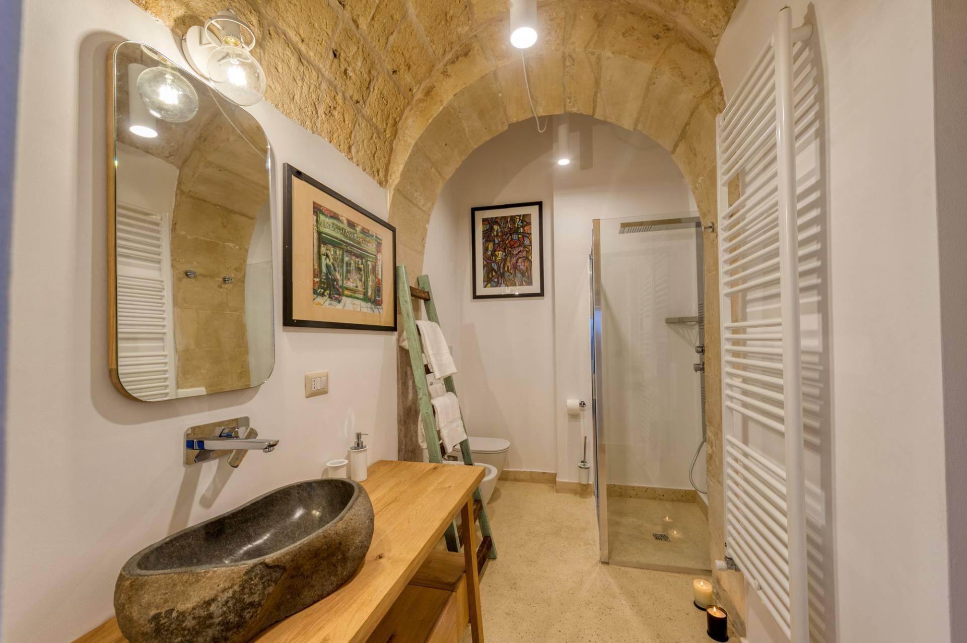 Palazzo in Affitto a Lequile: 5 locali, 500 mq - Foto 22